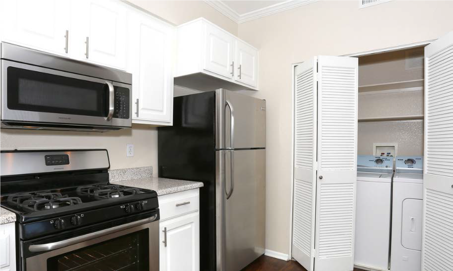 Estancia Apartment Homes image 8