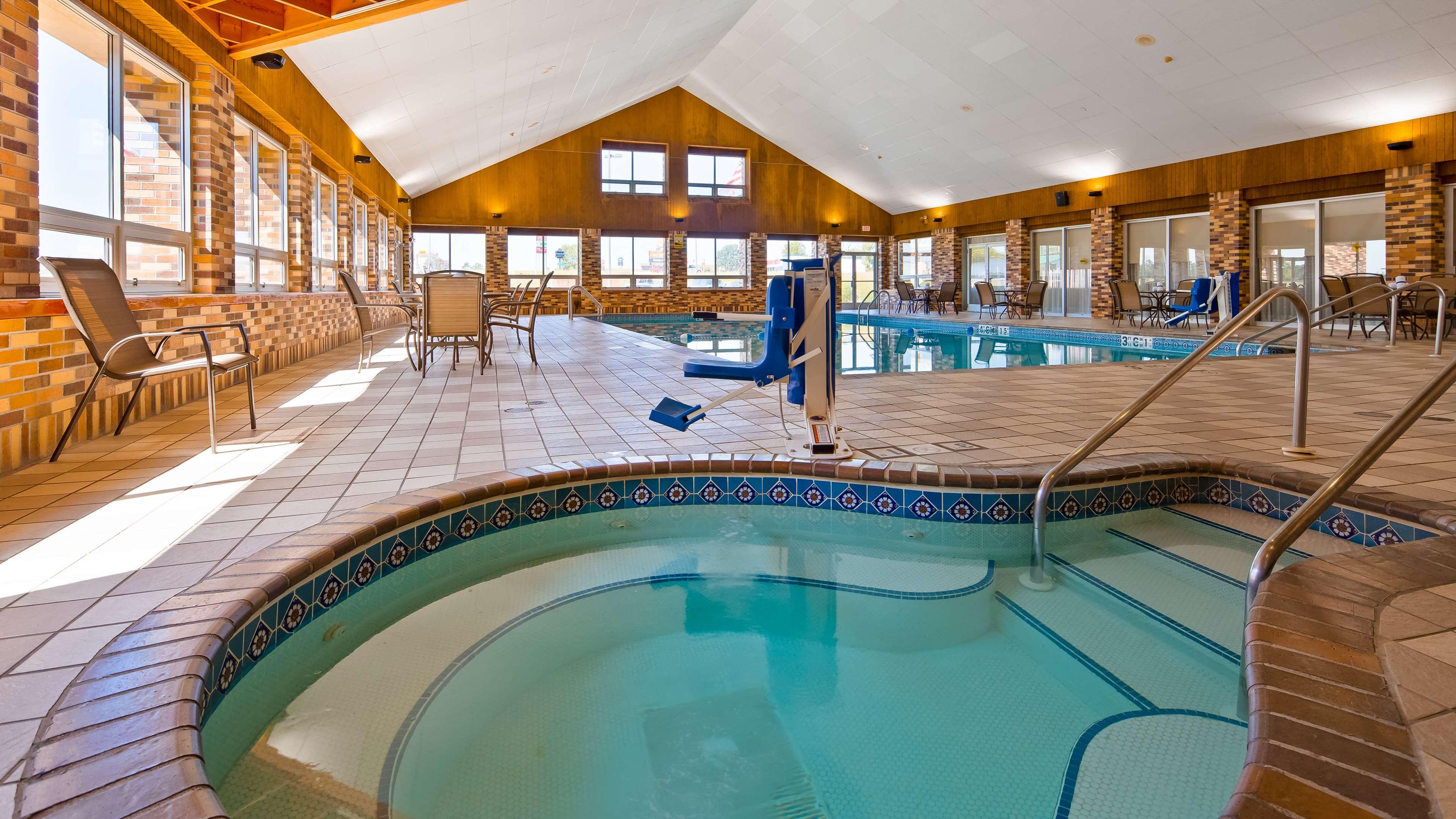 Best Western Tomah Hotel 1017 E Mccoy Blvd Wi Hotels Motels Mapquest