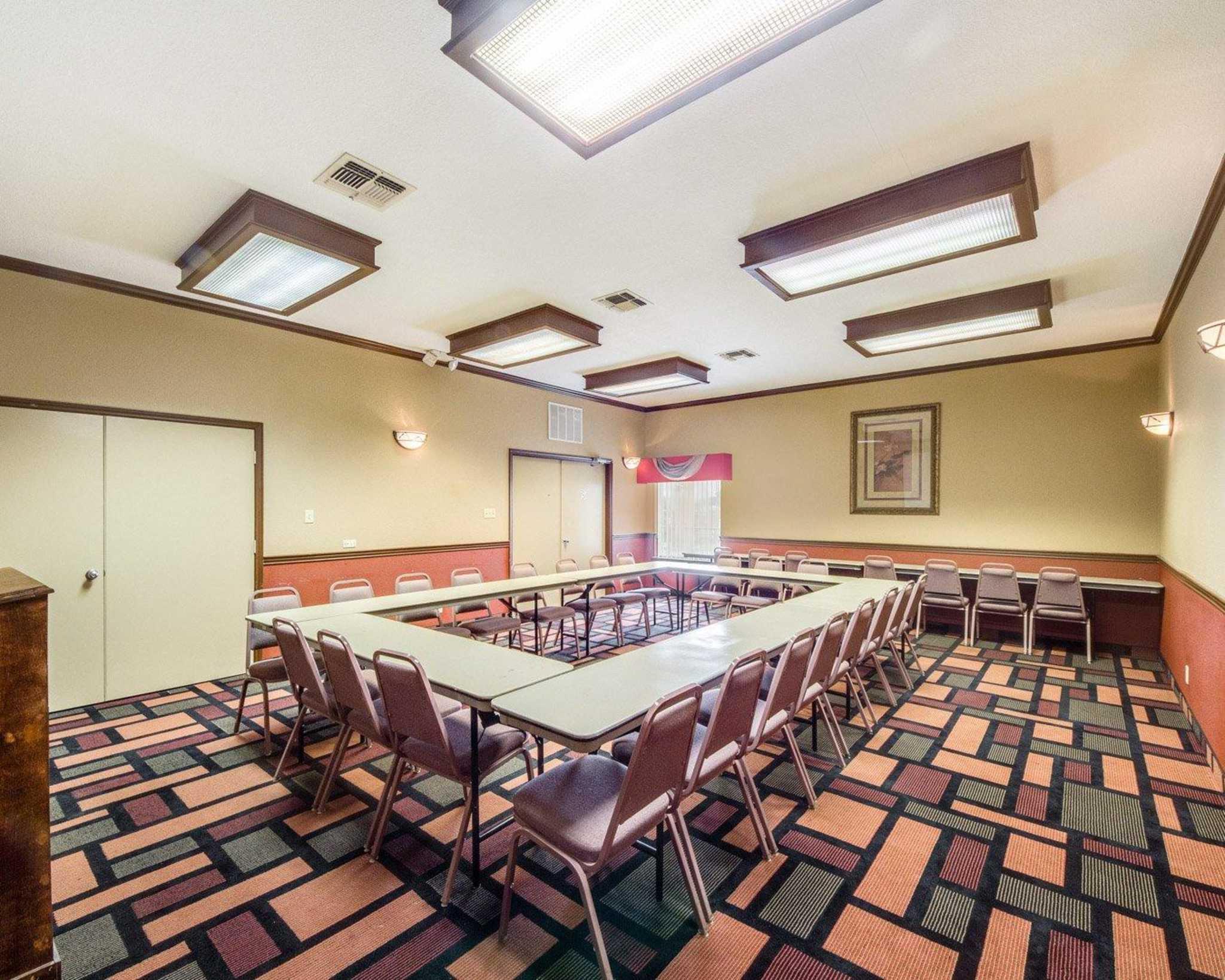 Quality Inn & Suites Eagle Pass image 15