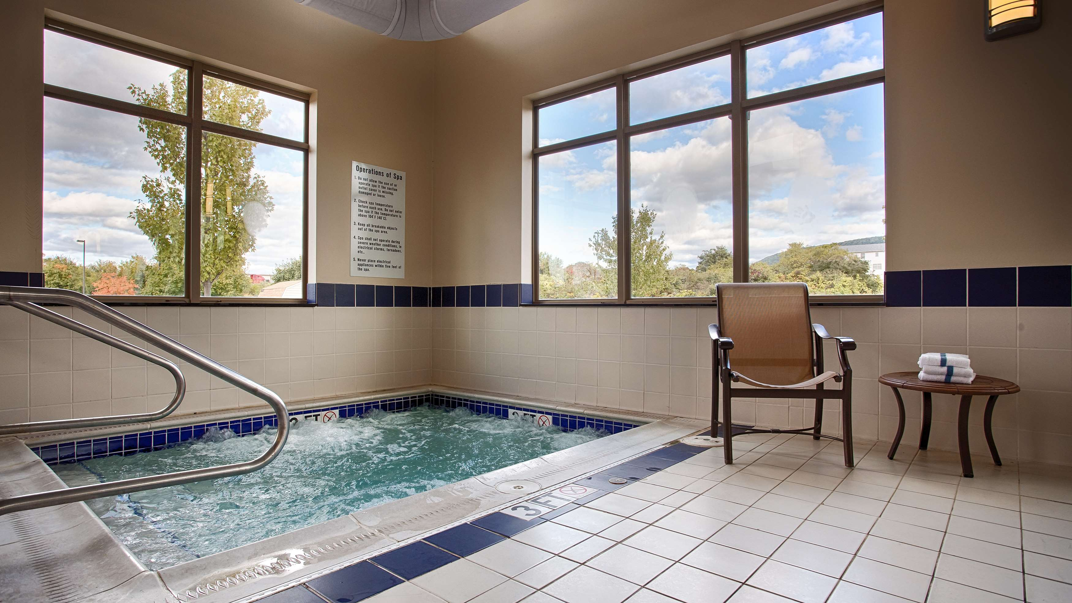 Best Western Plus University Park Inn & Suites image 16