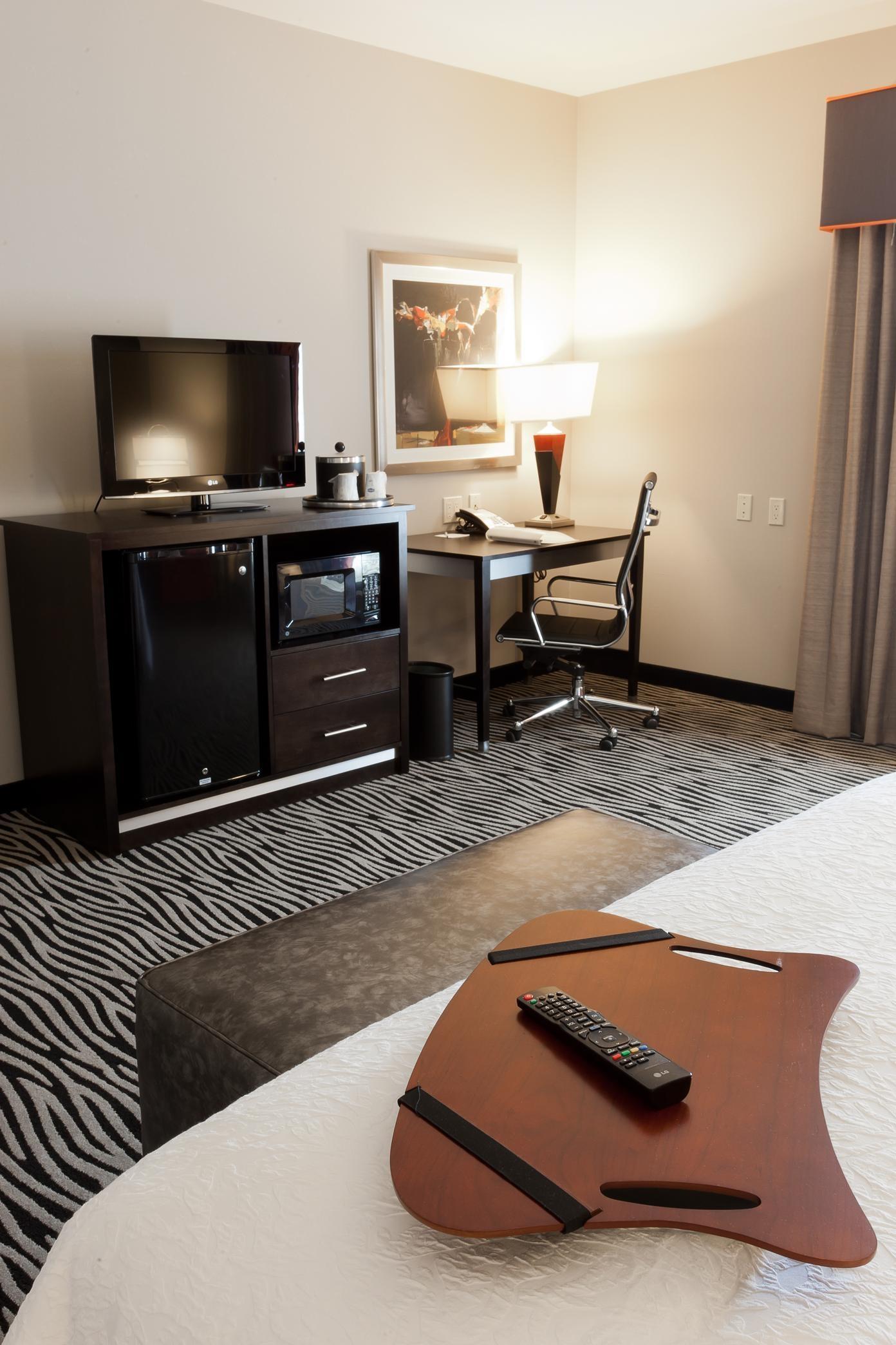 Hampton Inn & Suites Tulsa/Central image 8