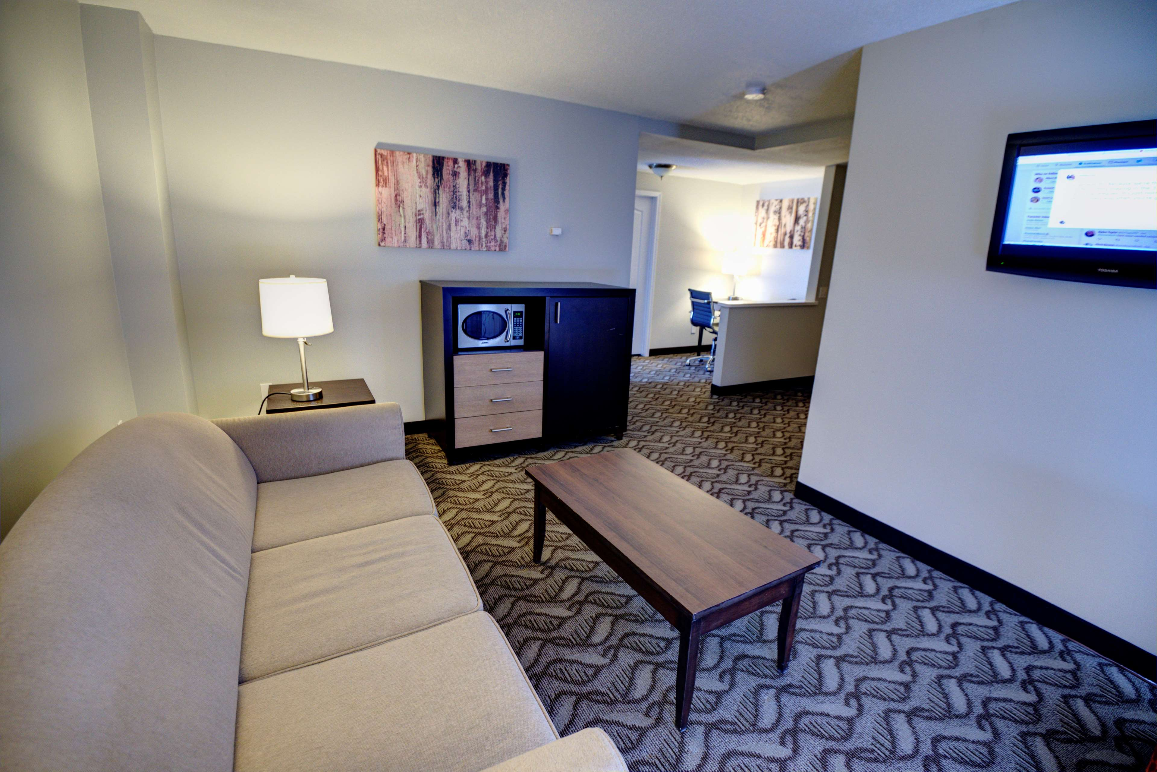 Best Western Airdrie in Airdrie: Suite