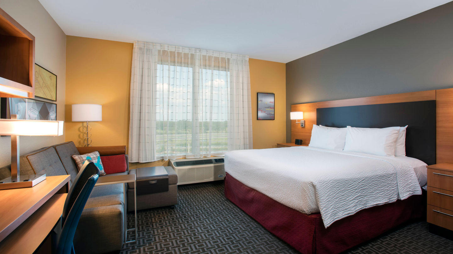 TownePlace Suites by Marriott Orlando at Flamingo Crossings/Western Entrance image 7