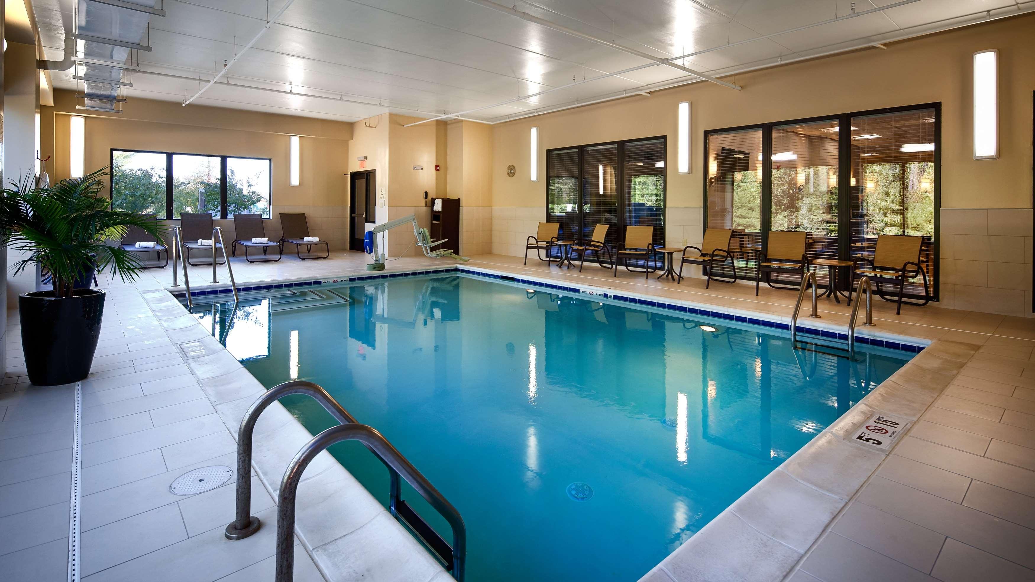 Best Western Plus Thornburg Inn & Suites image 13