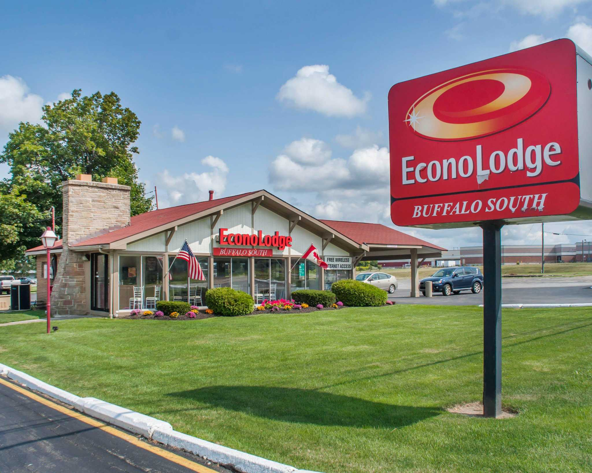 Econo Lodge Buffalo South image 0