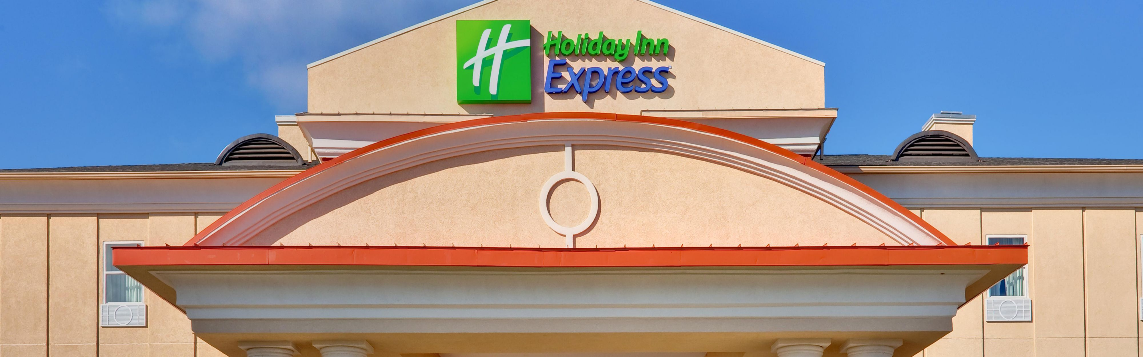 Holiday Inn Express Mccomb image 0