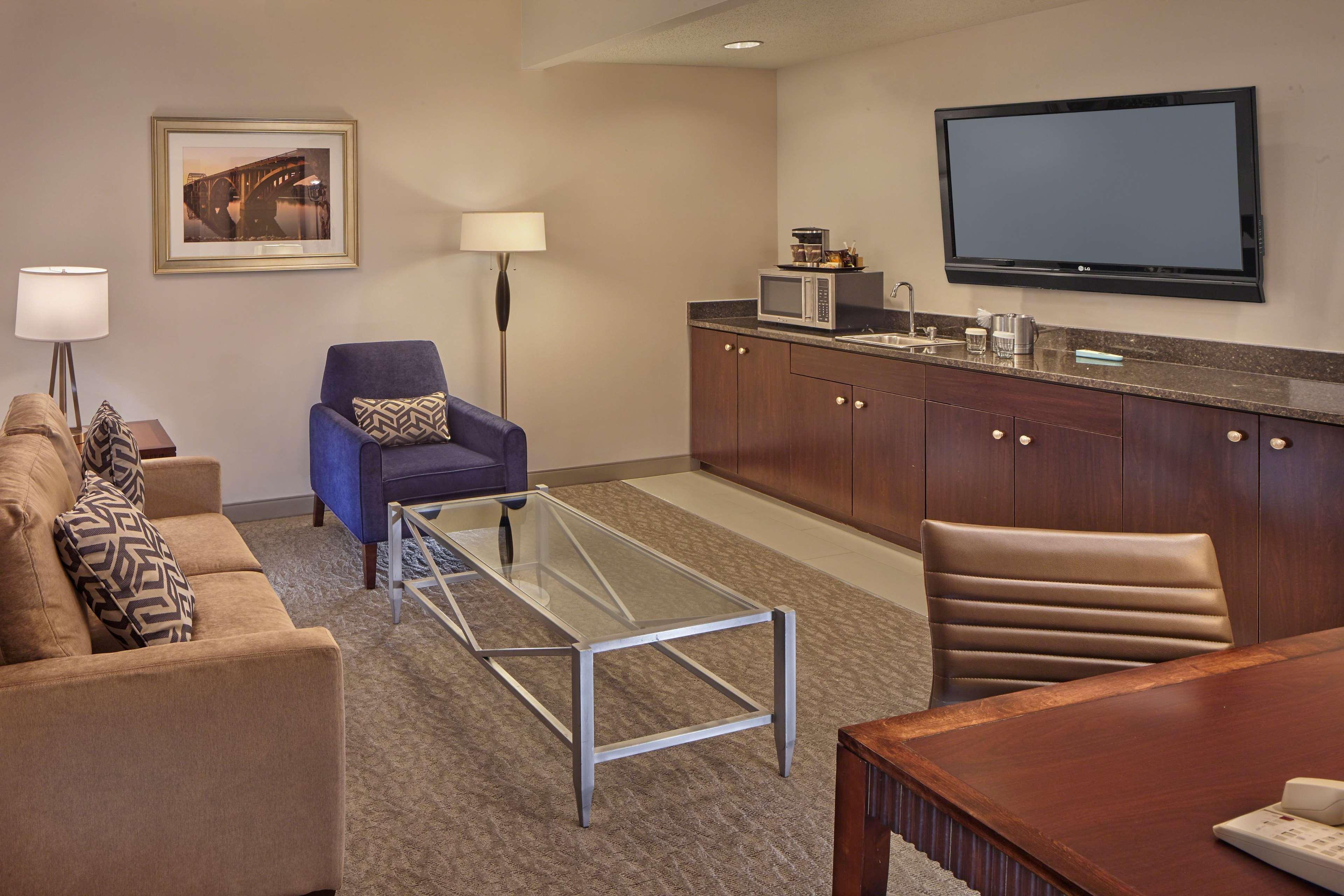 DoubleTree by Hilton Hotel Little Rock image 27
