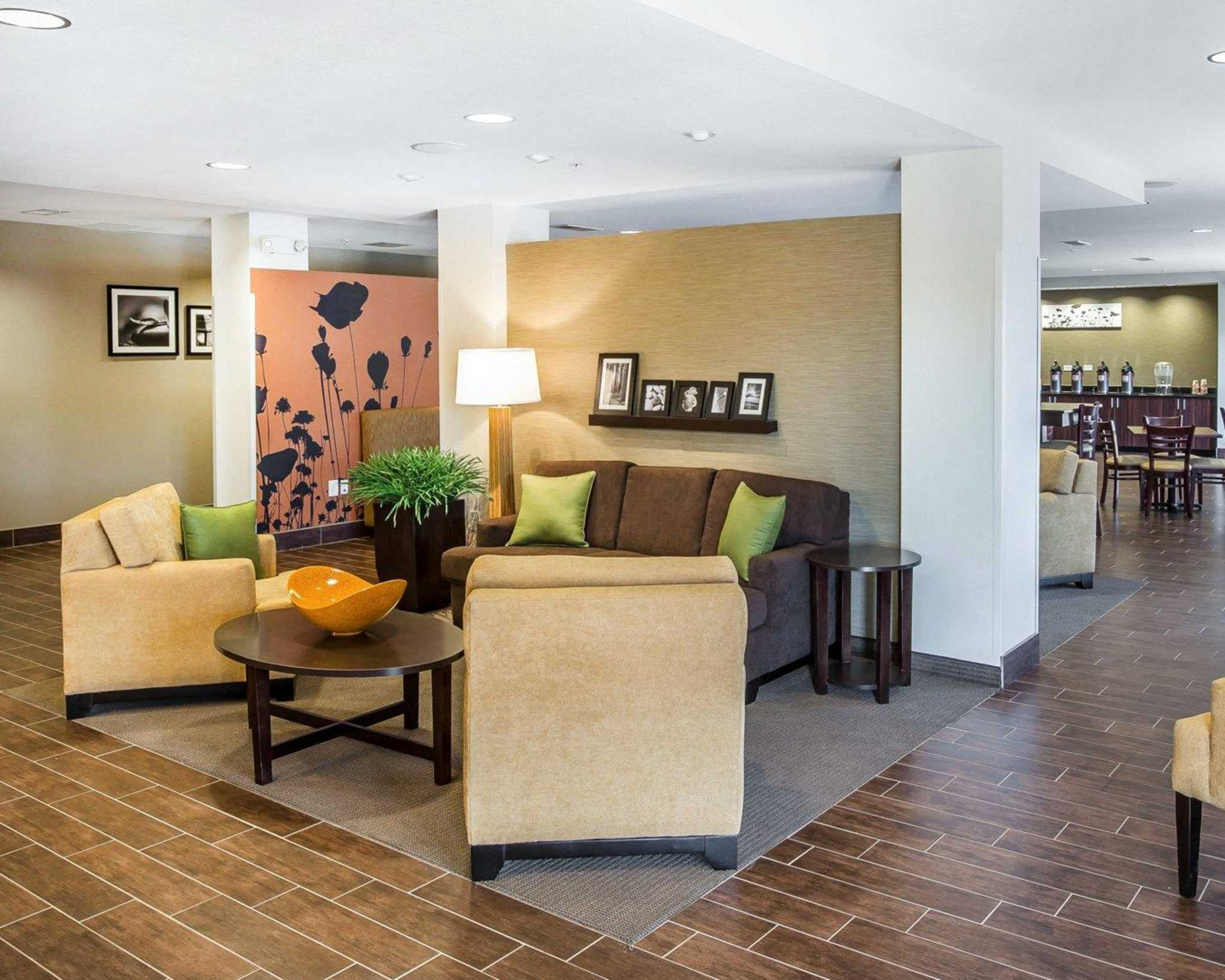 MainStay Suites Cartersville - Emerson Lake Point image 7