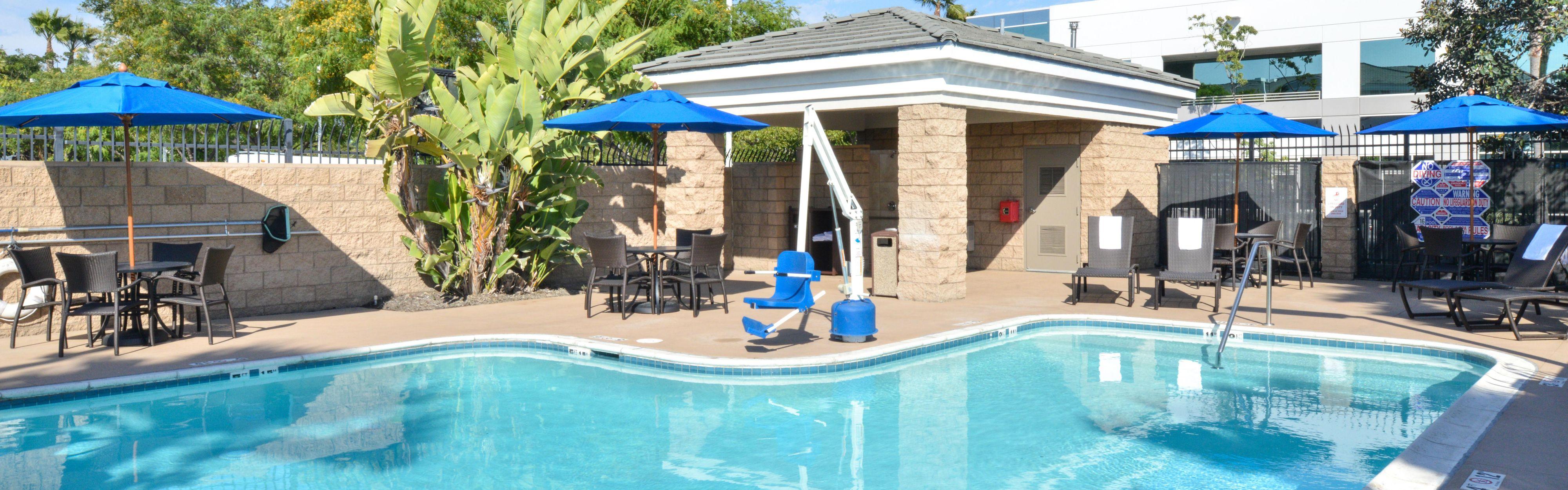 Holiday Inn Express & Suites San Diego Otay Mesa image 2