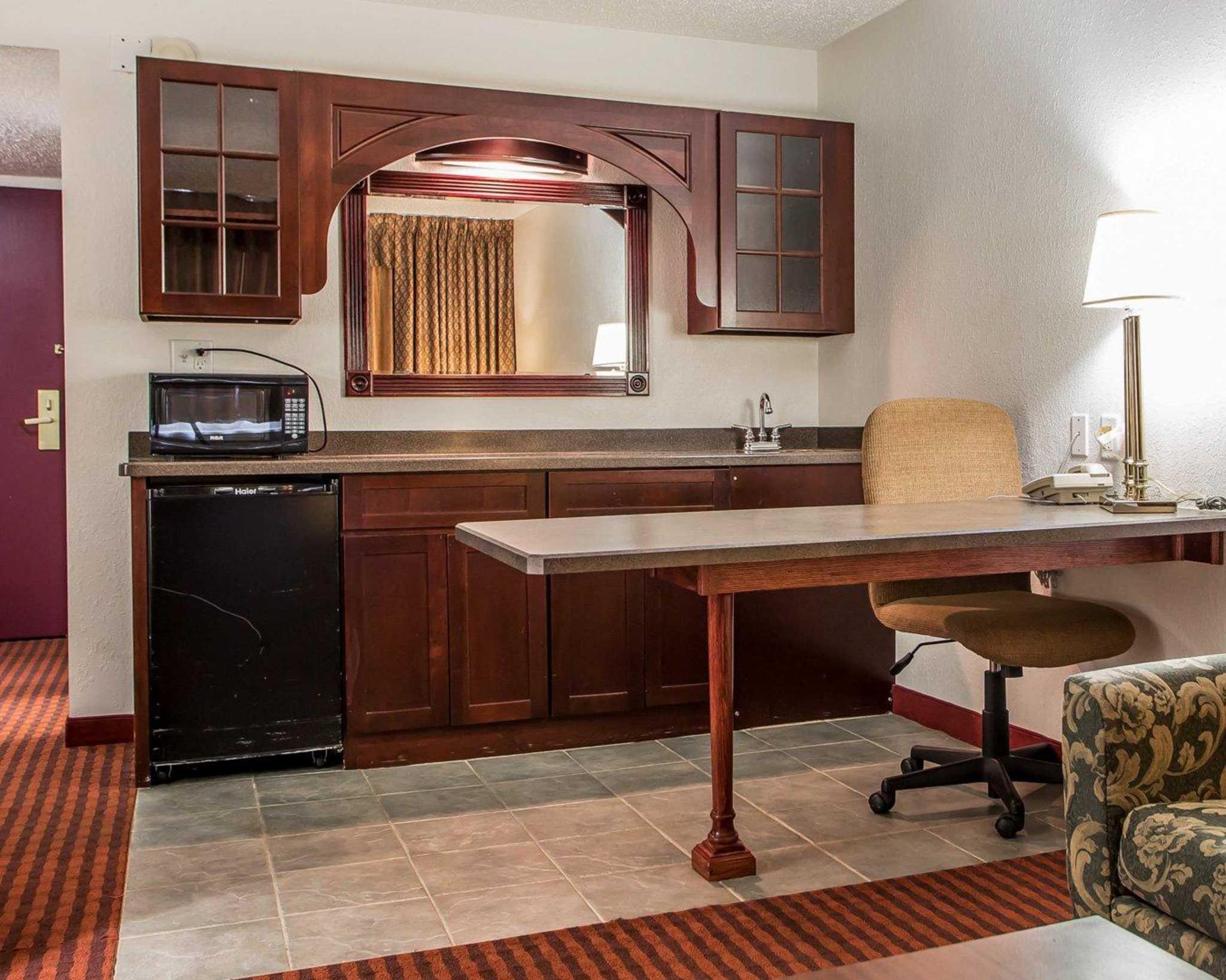 Clarion Hotel Highlander Conference Center image 32