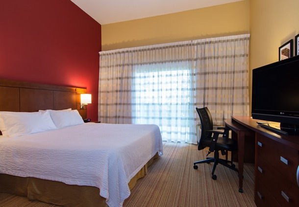 Courtyard by Marriott Charlotte Lake Norman image 2