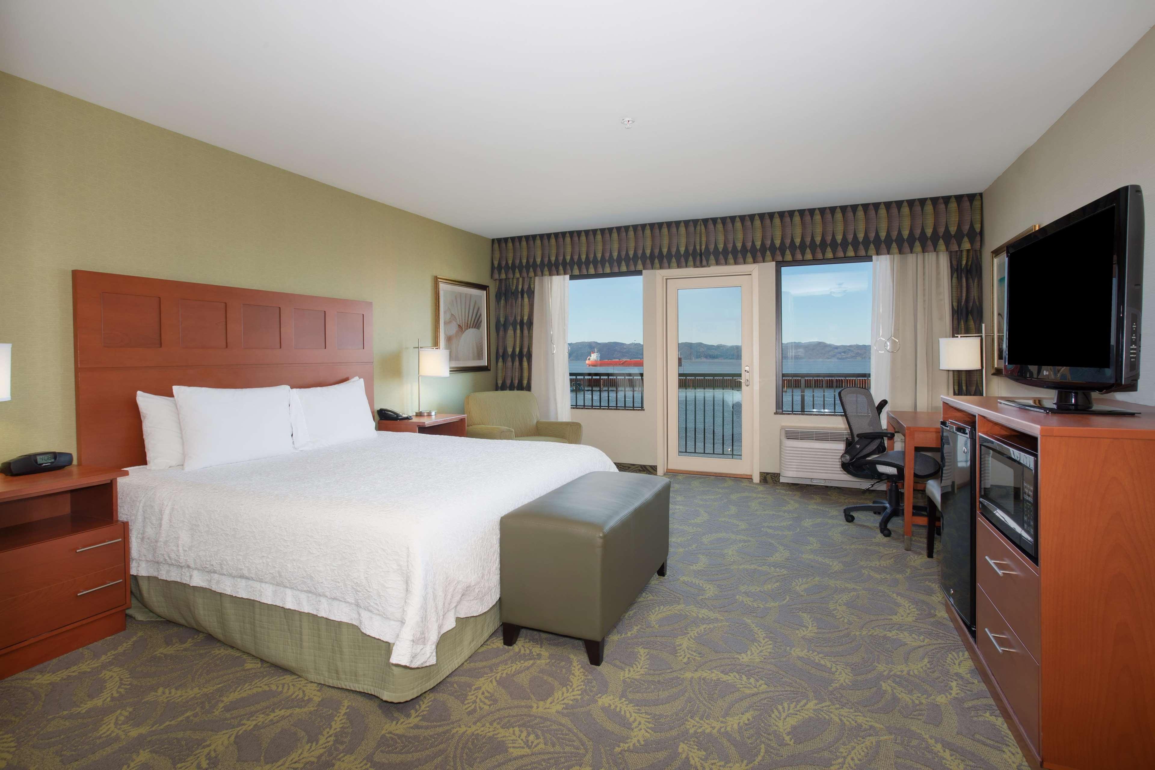 Hampton Inn & Suites Astoria image 42