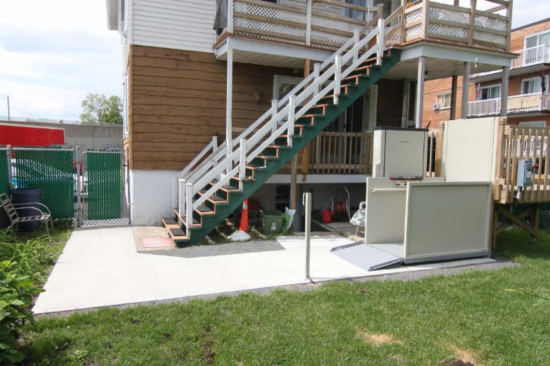 Maison Adaptée Du Québec à Saint-Hubert