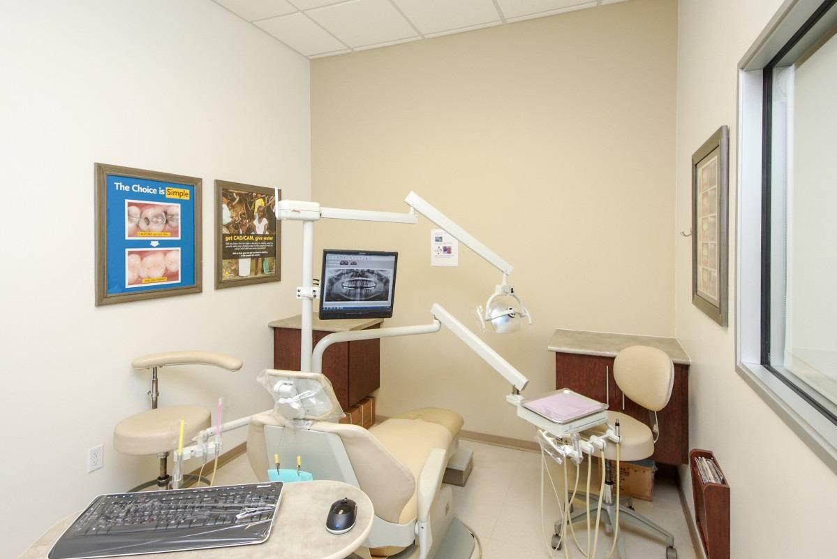 University Hills Modern Dentistry image 4