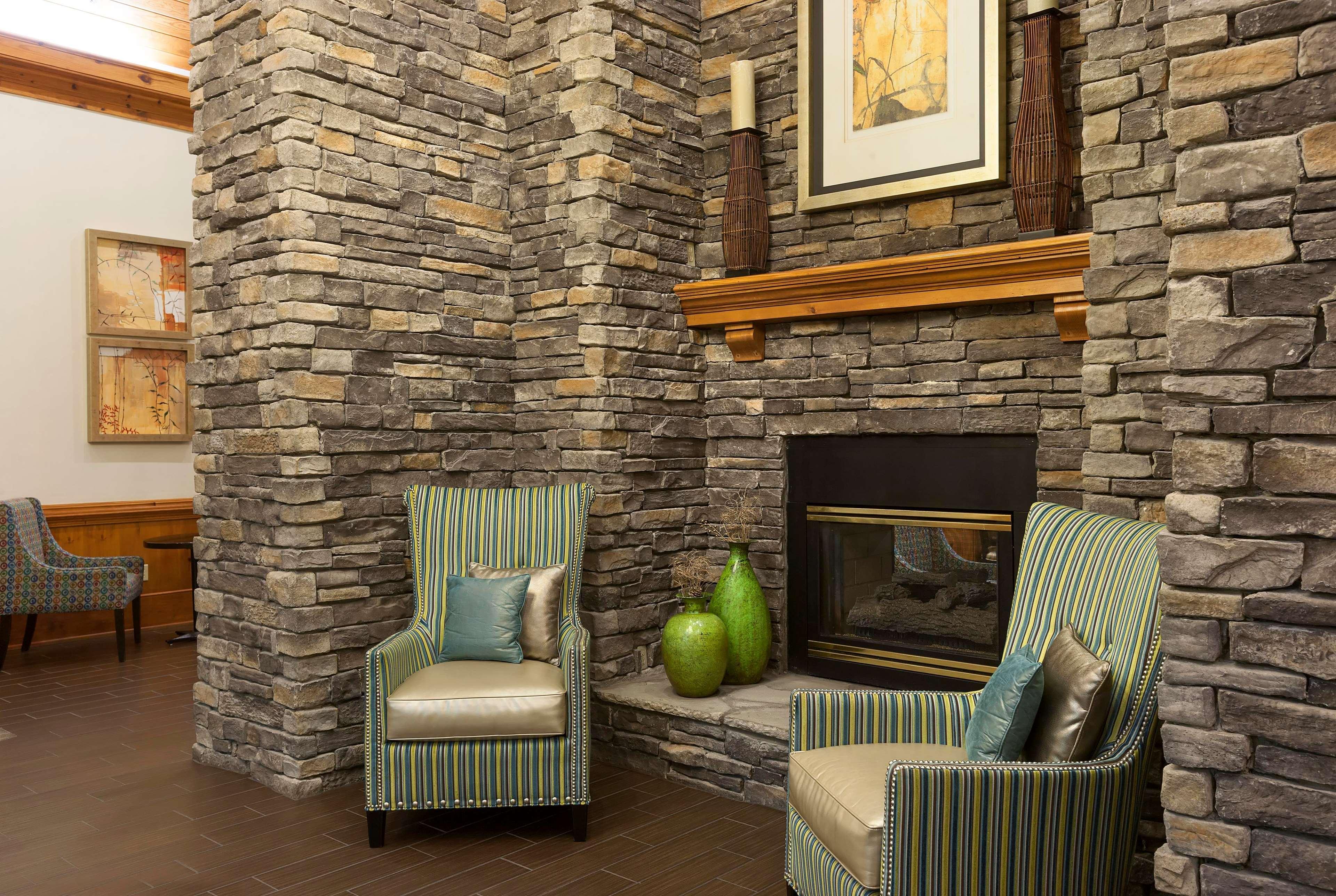 Hampton Inn & Suites Charlotte/Pineville image 8