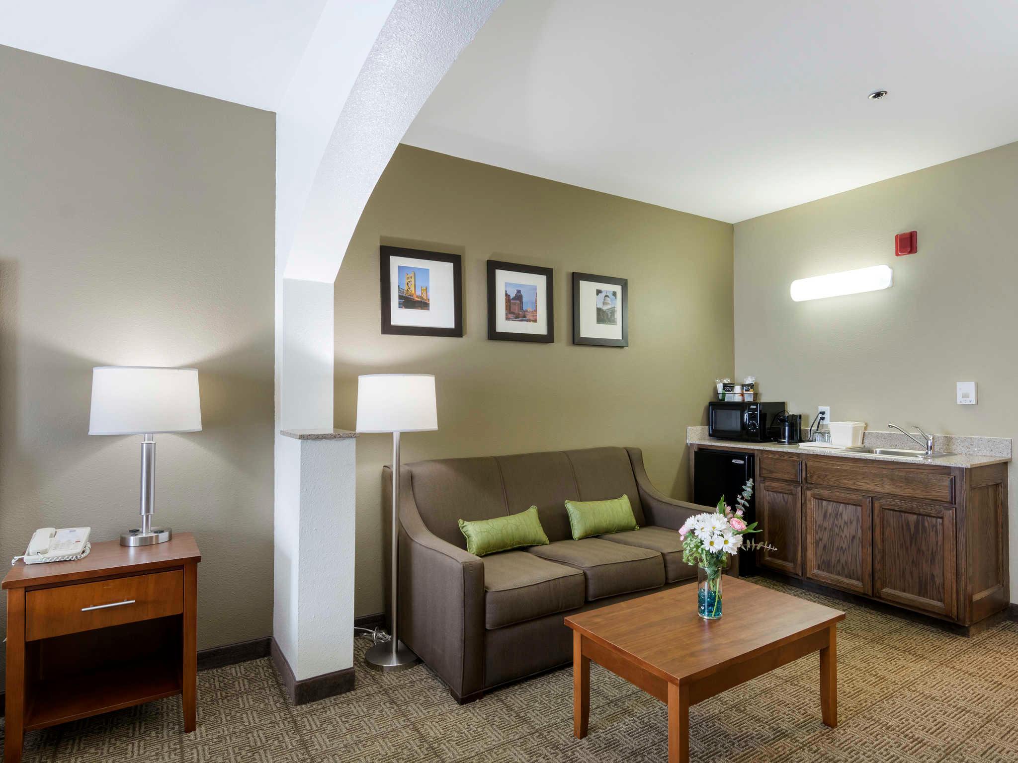 Comfort Inn & Suites Sacramento - University Area image 21