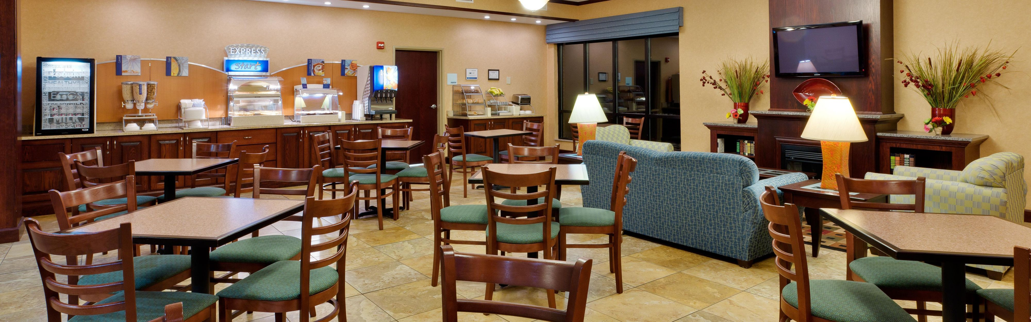 Holiday Inn Express & Suites White Haven - Poconos image 3