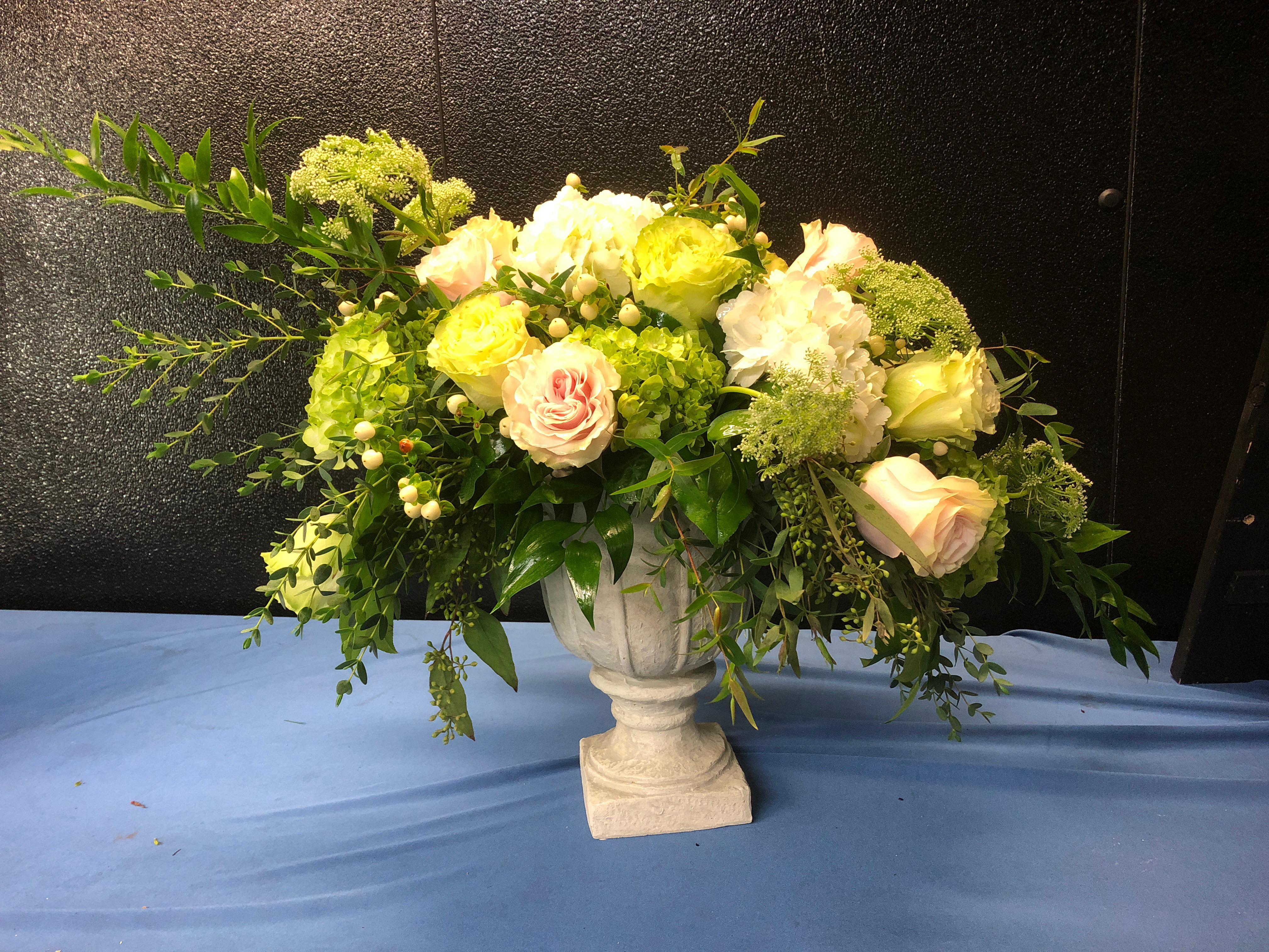 Pat's Florist And Gourmet Baskets Inc image 1