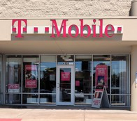 Exterior photo of T-Mobile Store at Campbell & James River Parkway, Springfield, MO