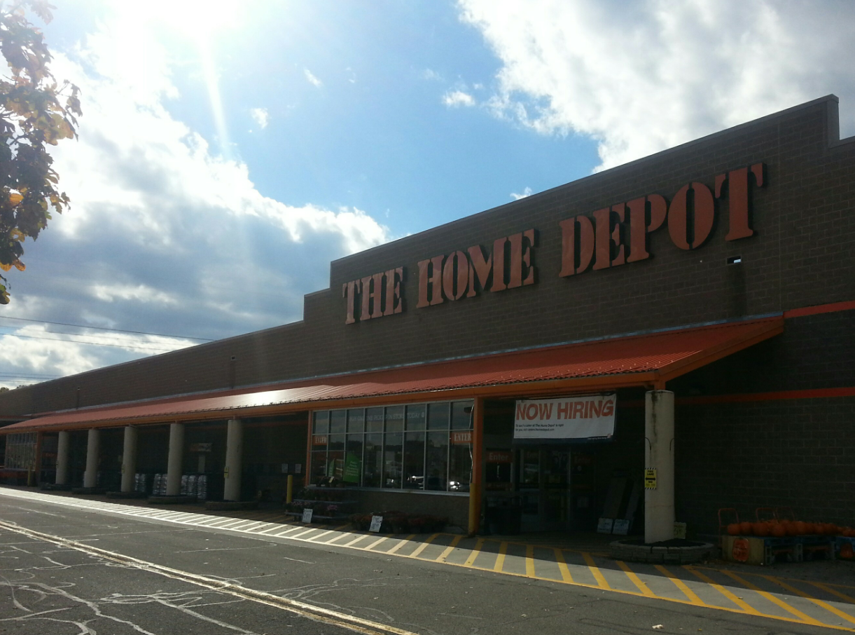 Deputies investigating truck driver death at Home Depot in Victor