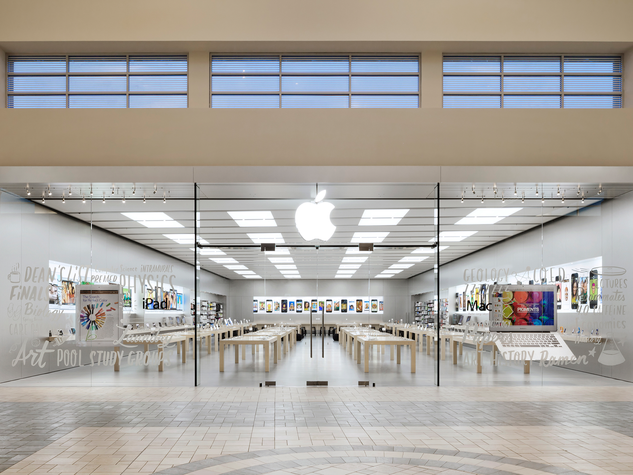 The Apple Store is located in Altamonte Mall on the upper level of the JC Penney wing, near Barnes & Noble. Altamonte Mall is located a mile east of I-4 in central Altamonte Springs. Early morning appointments: use the side mall entrance near Elephant Bar.