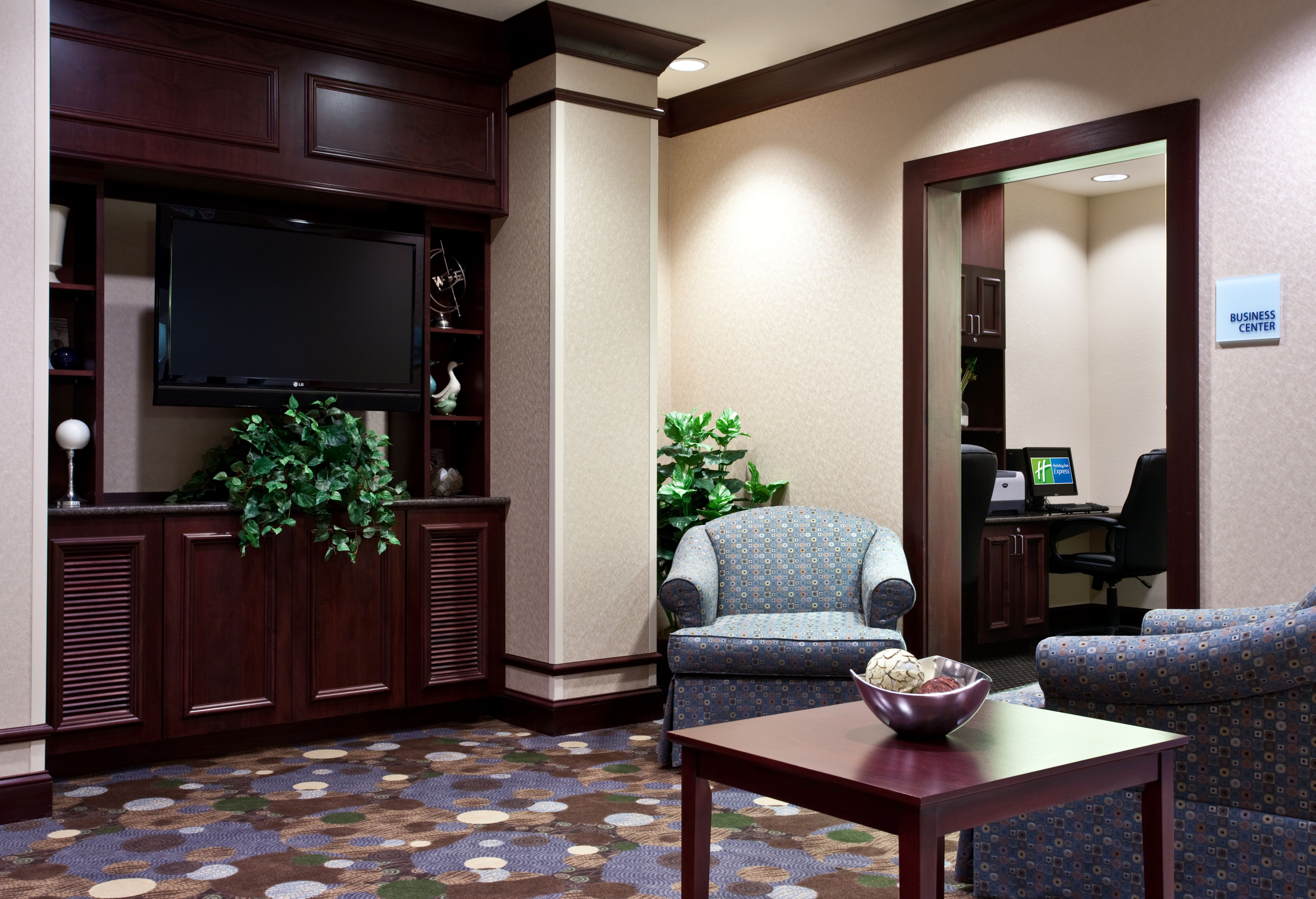 Holiday Inn Express & Suites Chicago West-O'Hare Arpt Area image 5
