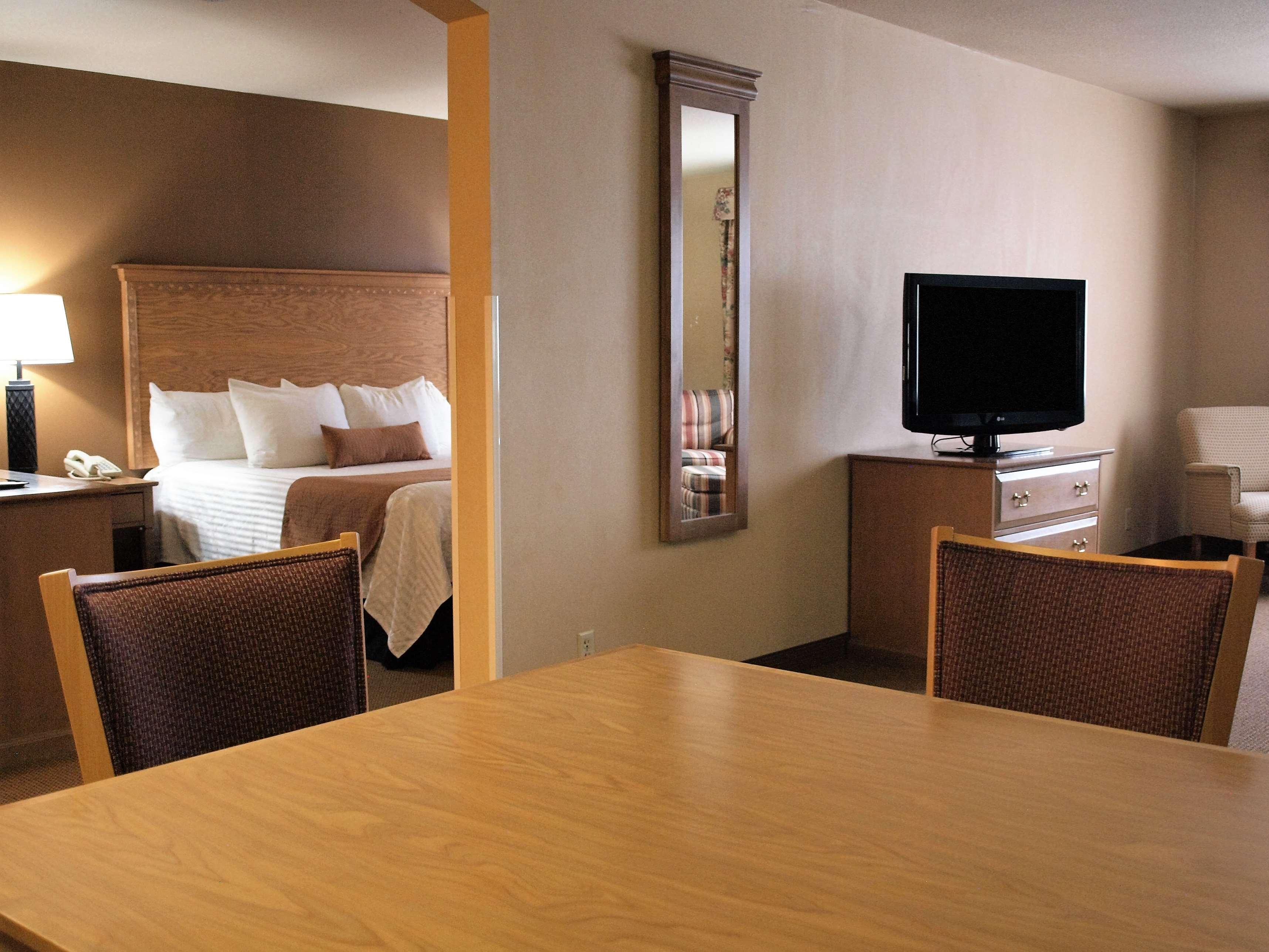 Best Western Plus Caldwell Inn & Suites image 29