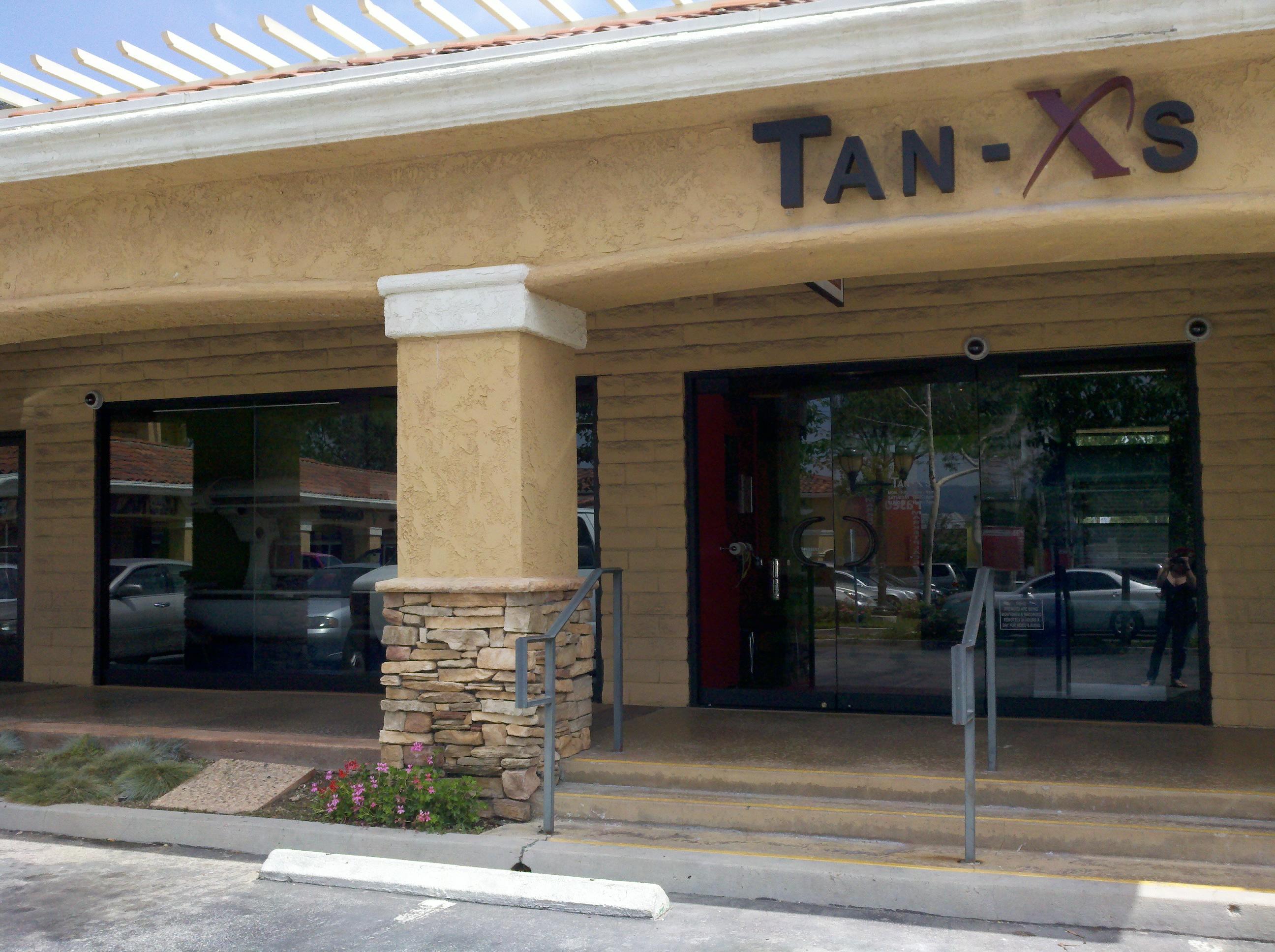 Tan XS image 0
