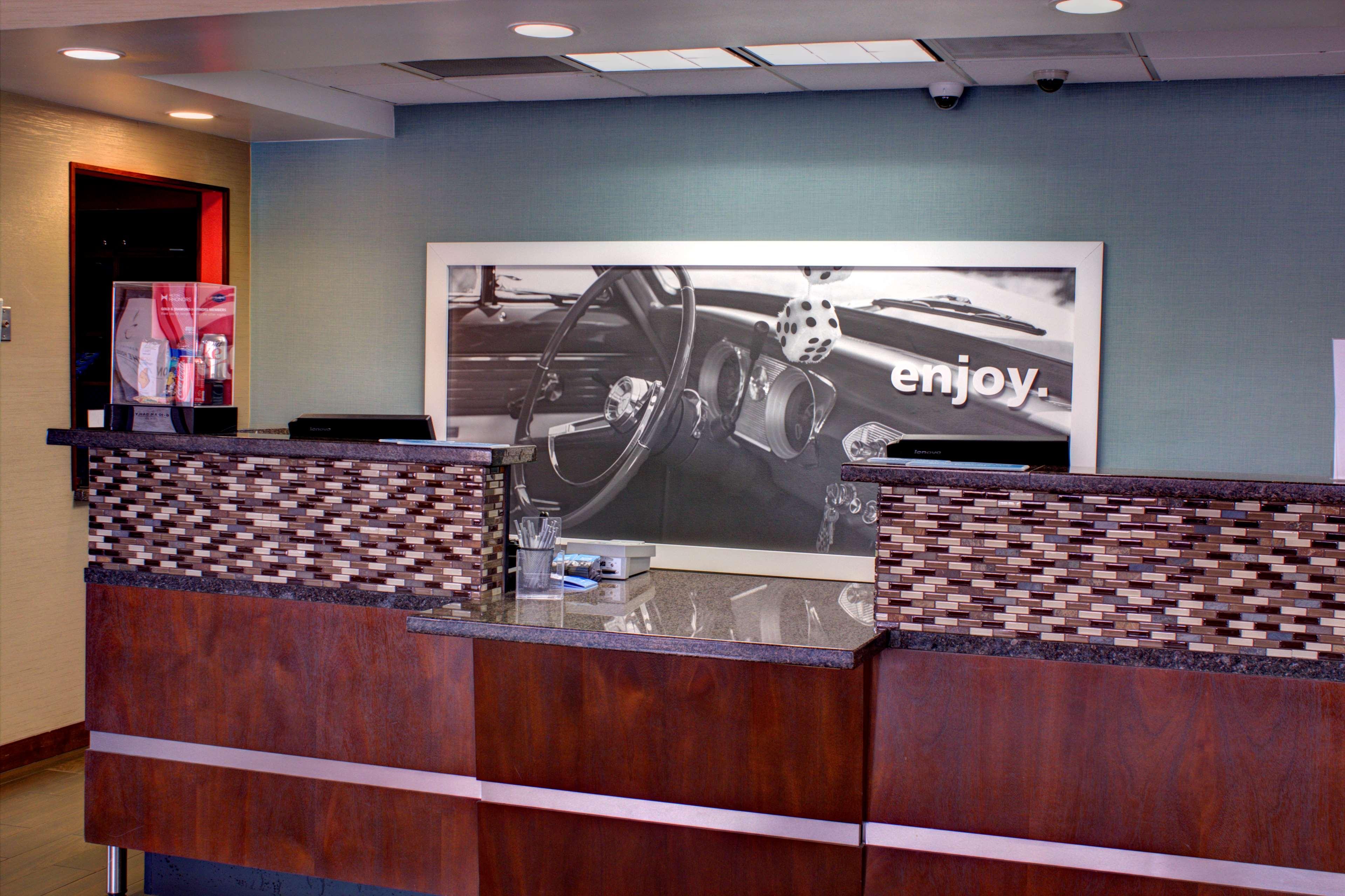 Hampton Inn Daytona Speedway-Airport image 1