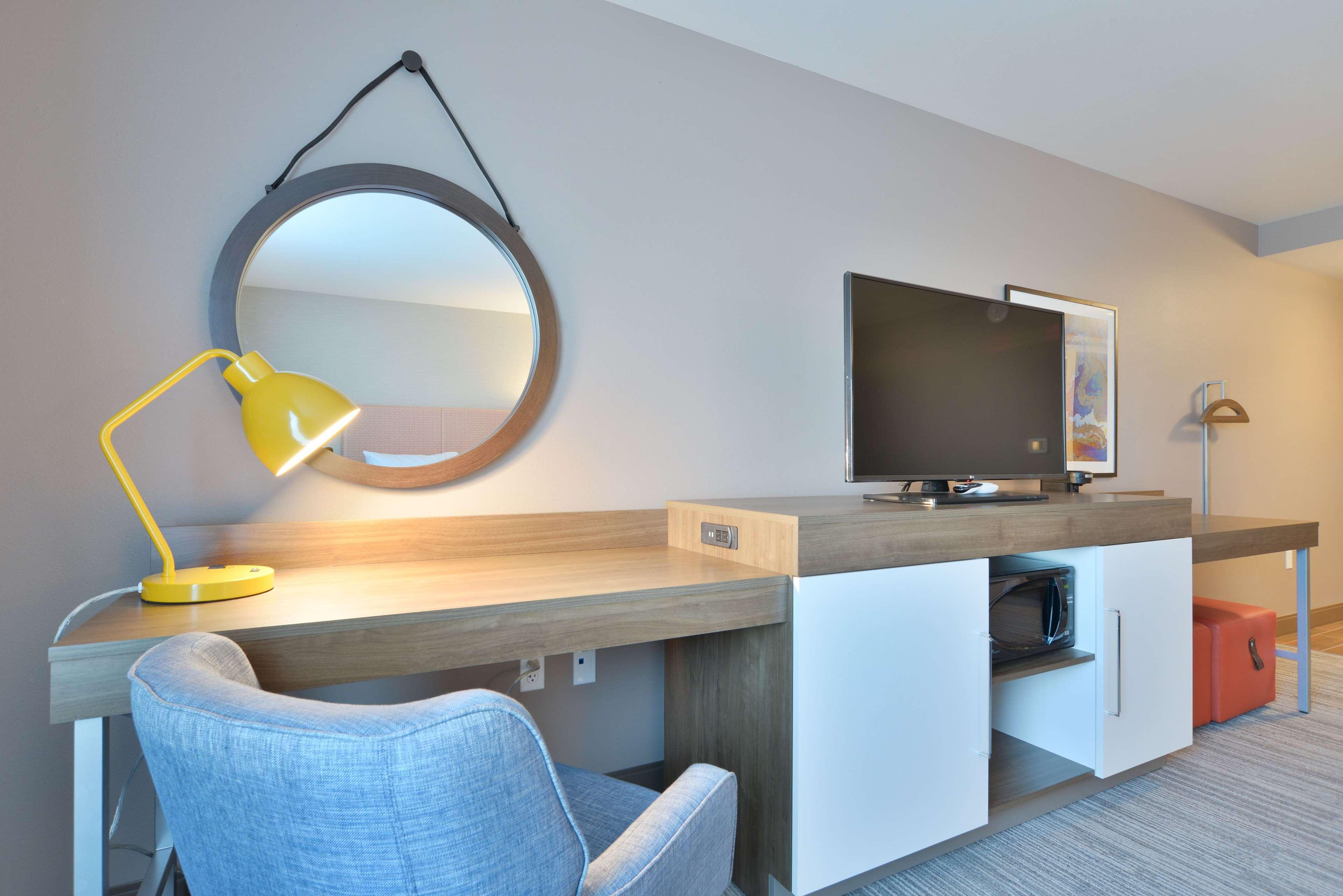 Hampton Inn & Suites Menomonie-UW Stout image 20