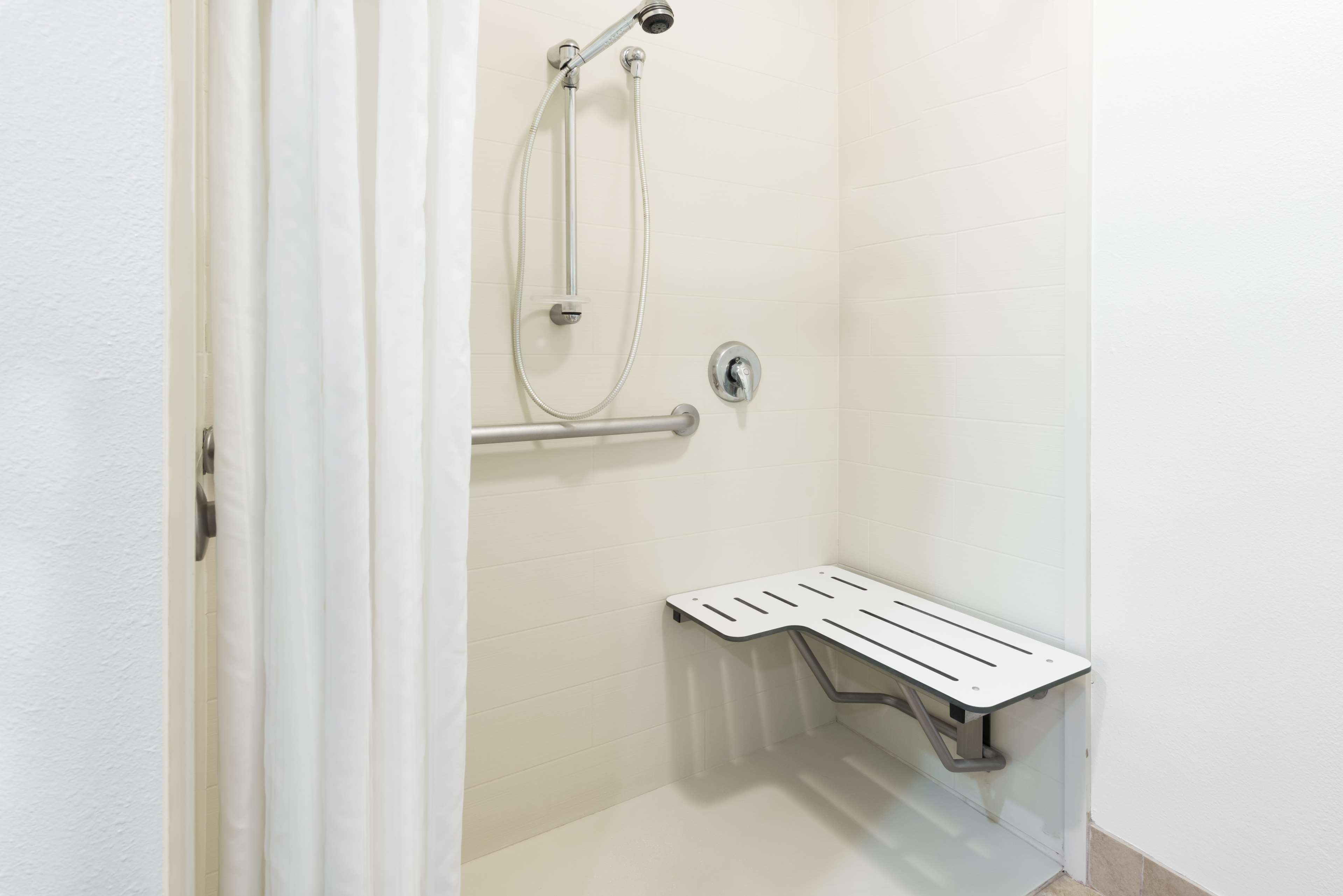 Homewood Suites by Hilton Charlotte-North/Univ Research Park image 10