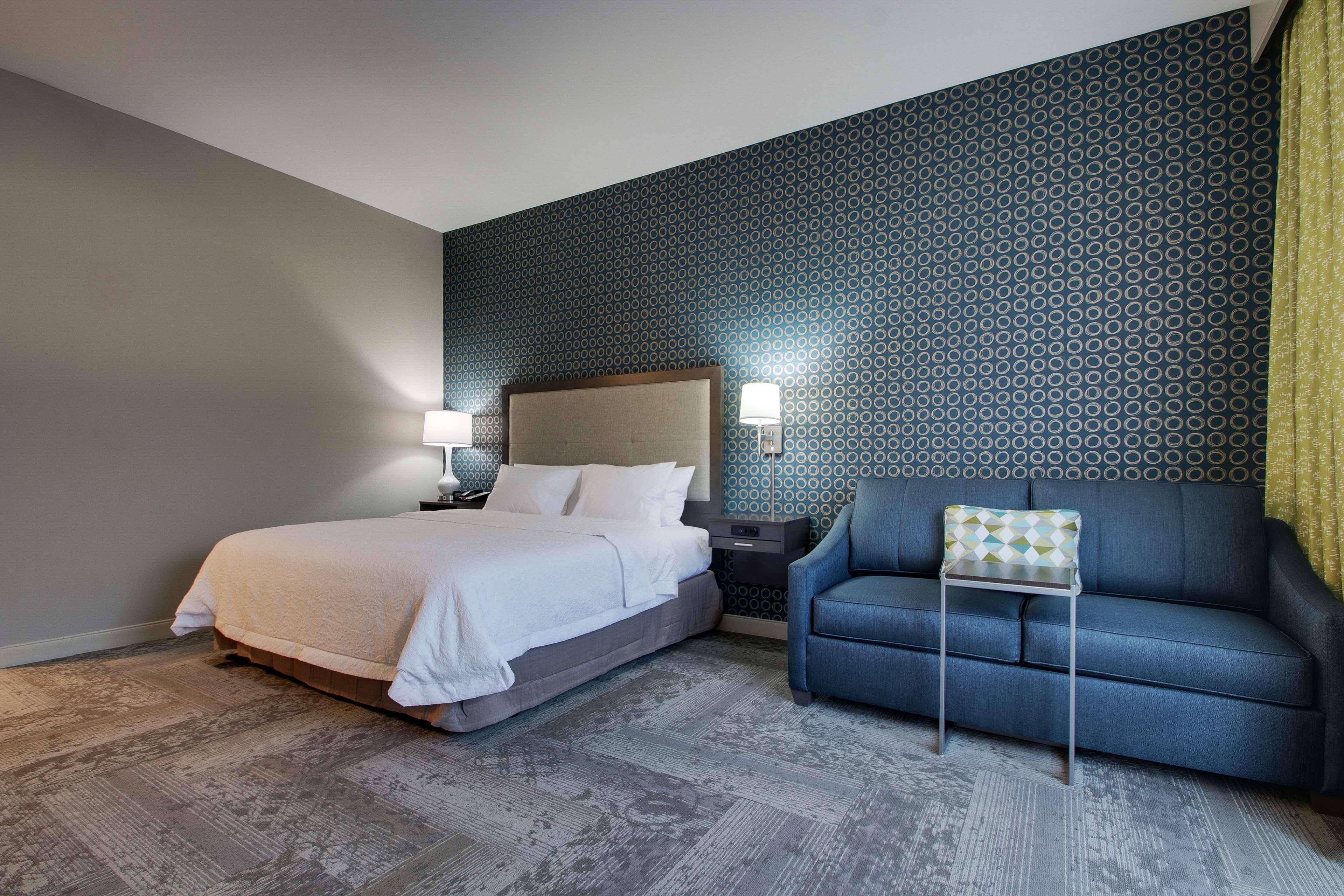Hampton Inn & Suites Knightdale Raleigh image 29
