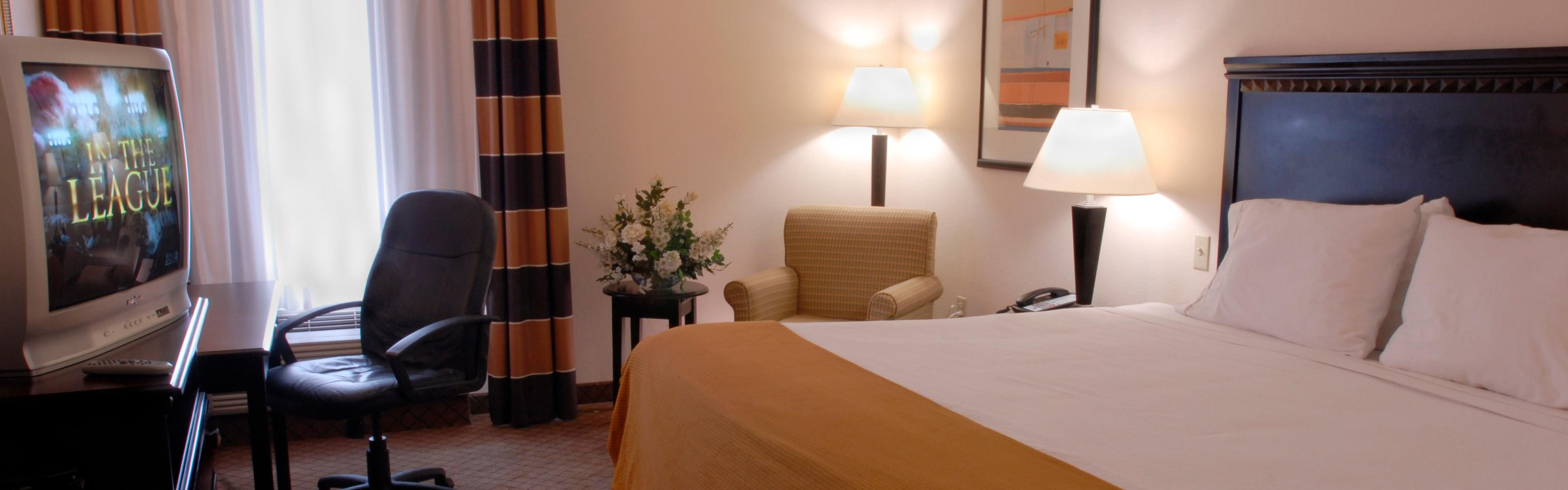 Holiday Inn Express Venice image 1