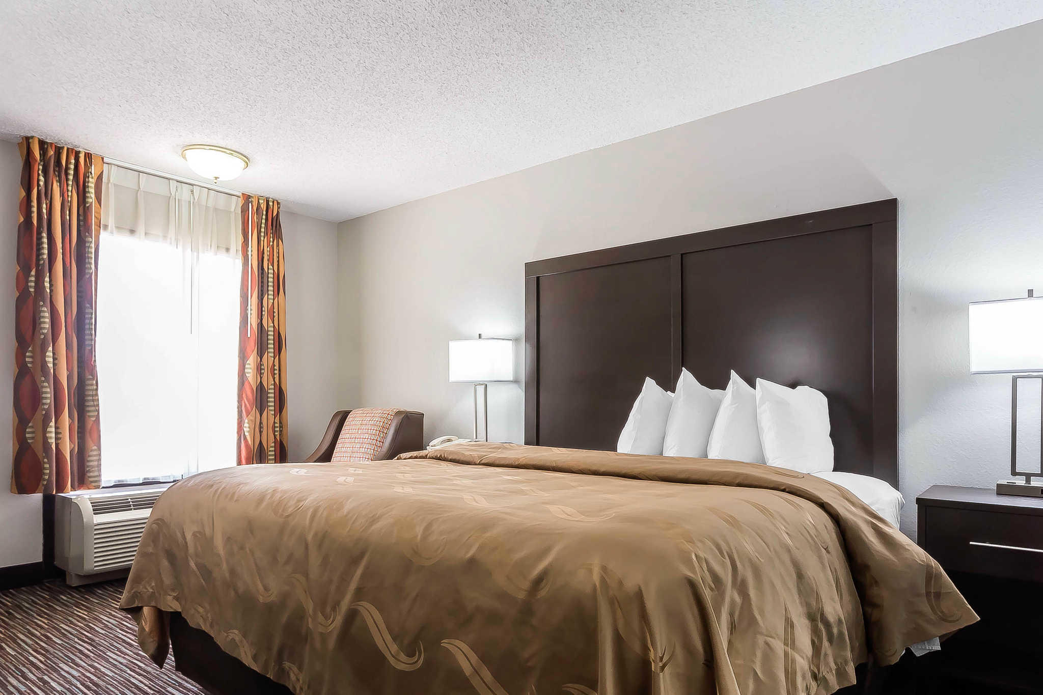 Quality Inn & Suites Mooresville-Lake Norman image 13