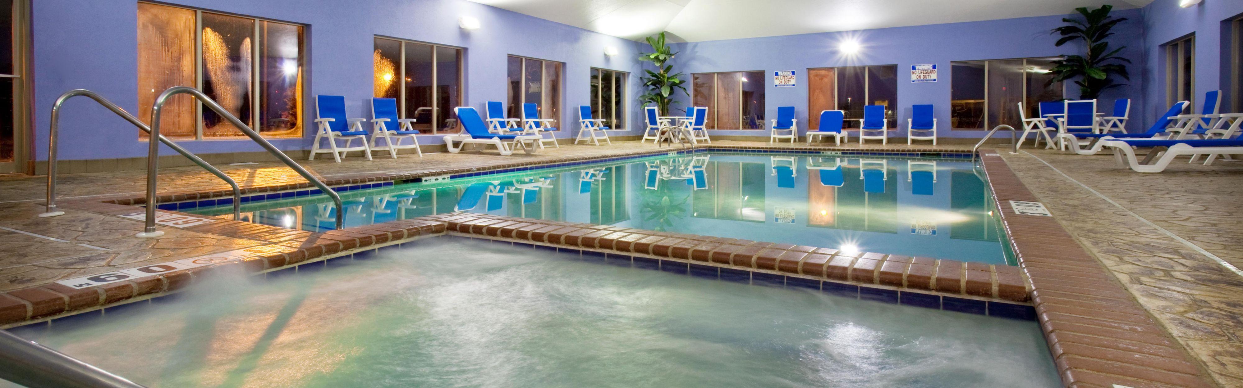 Holiday Inn Express & Suites Pleasant Prairie / Kenosha image 2