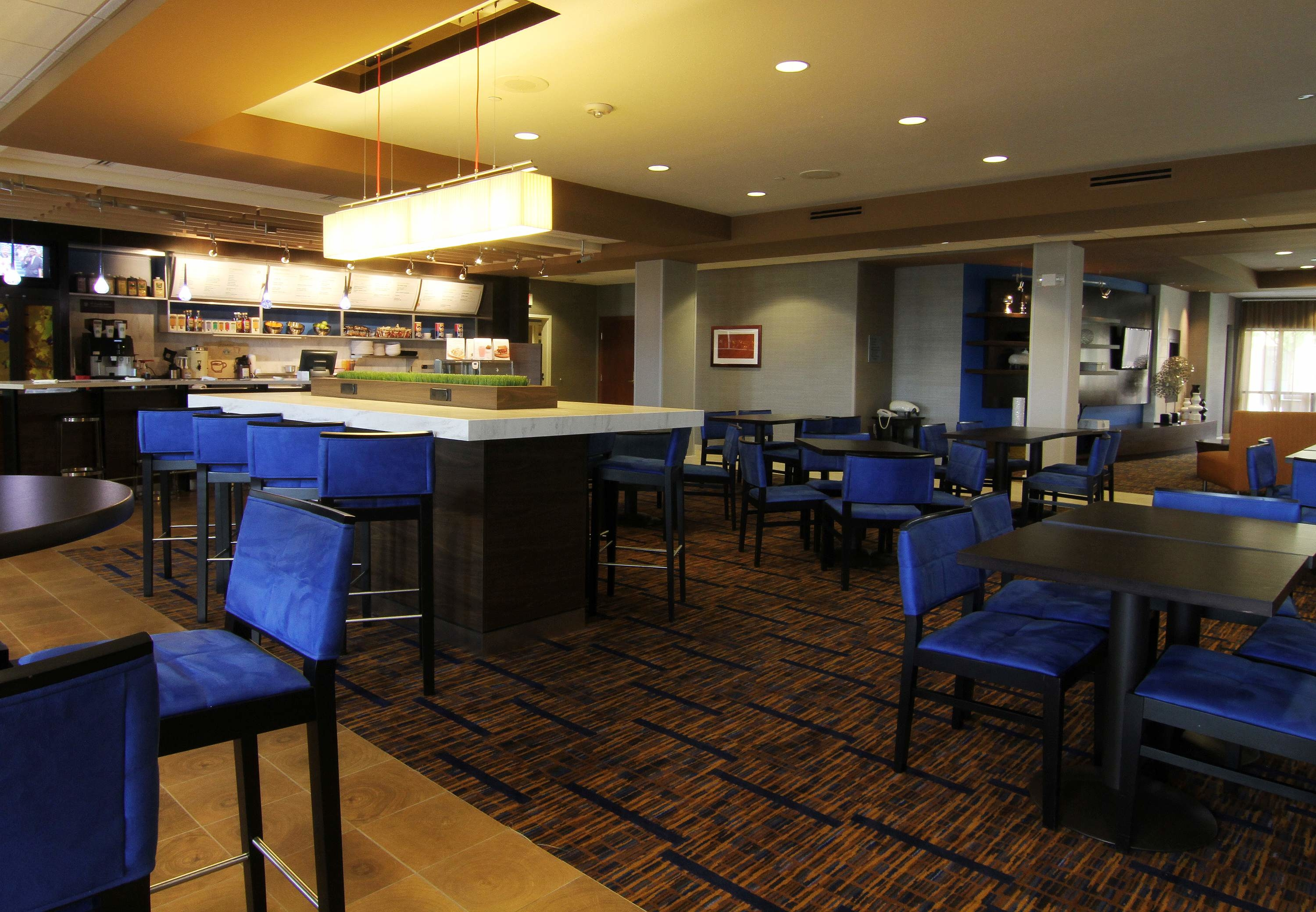 Courtyard by Marriott Fargo Moorhead, MN image 9