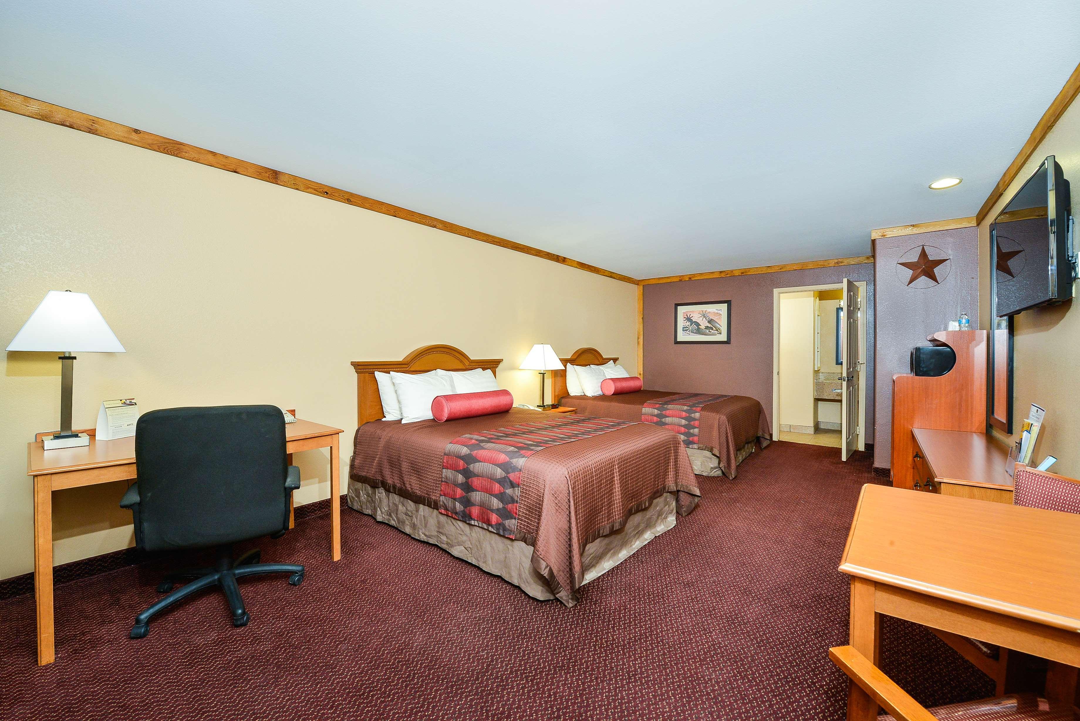 Best Western Windwood Inn & Suites image 28