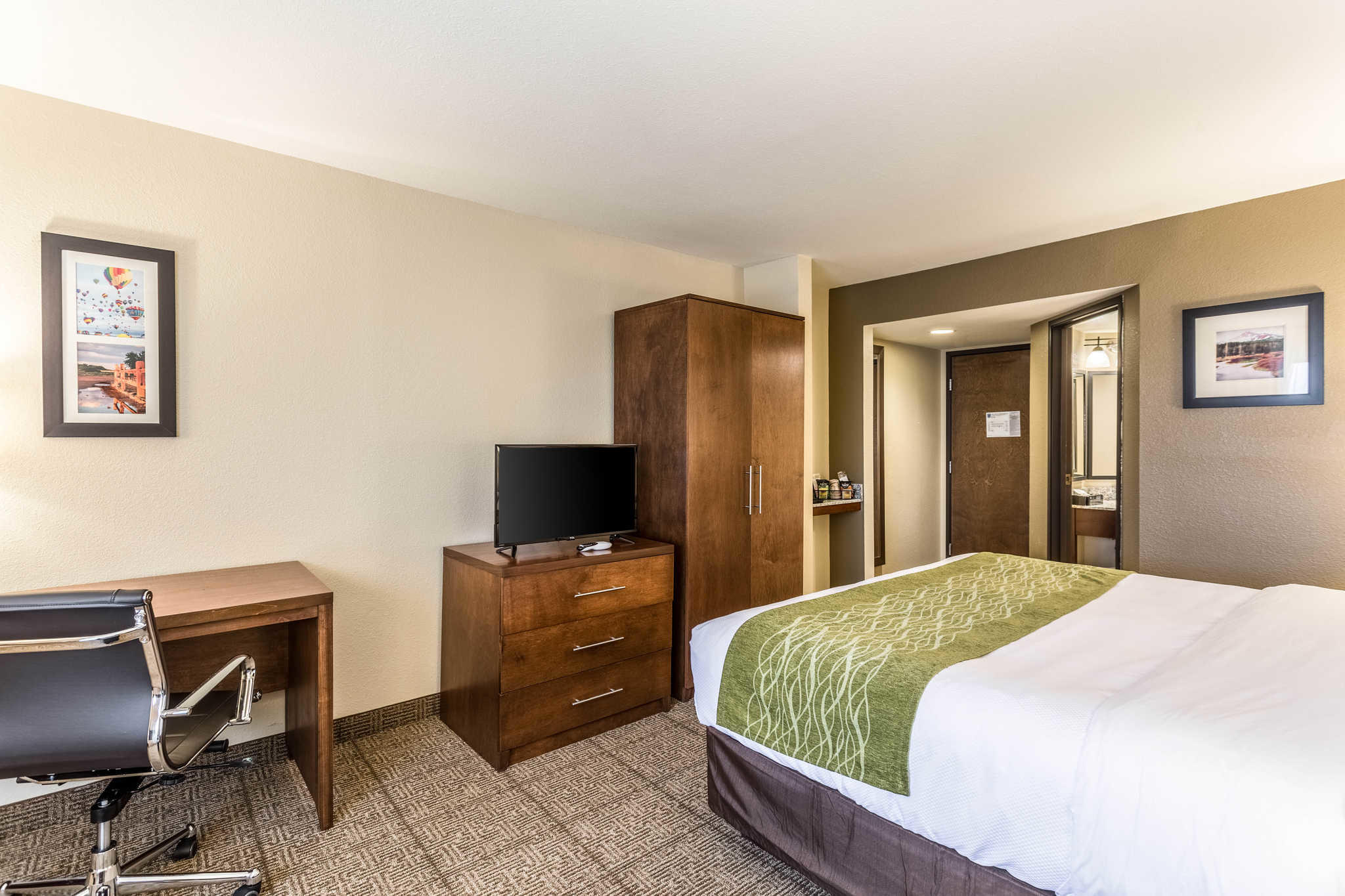 Comfort Inn & Suites Albuquerque Downtown image 12