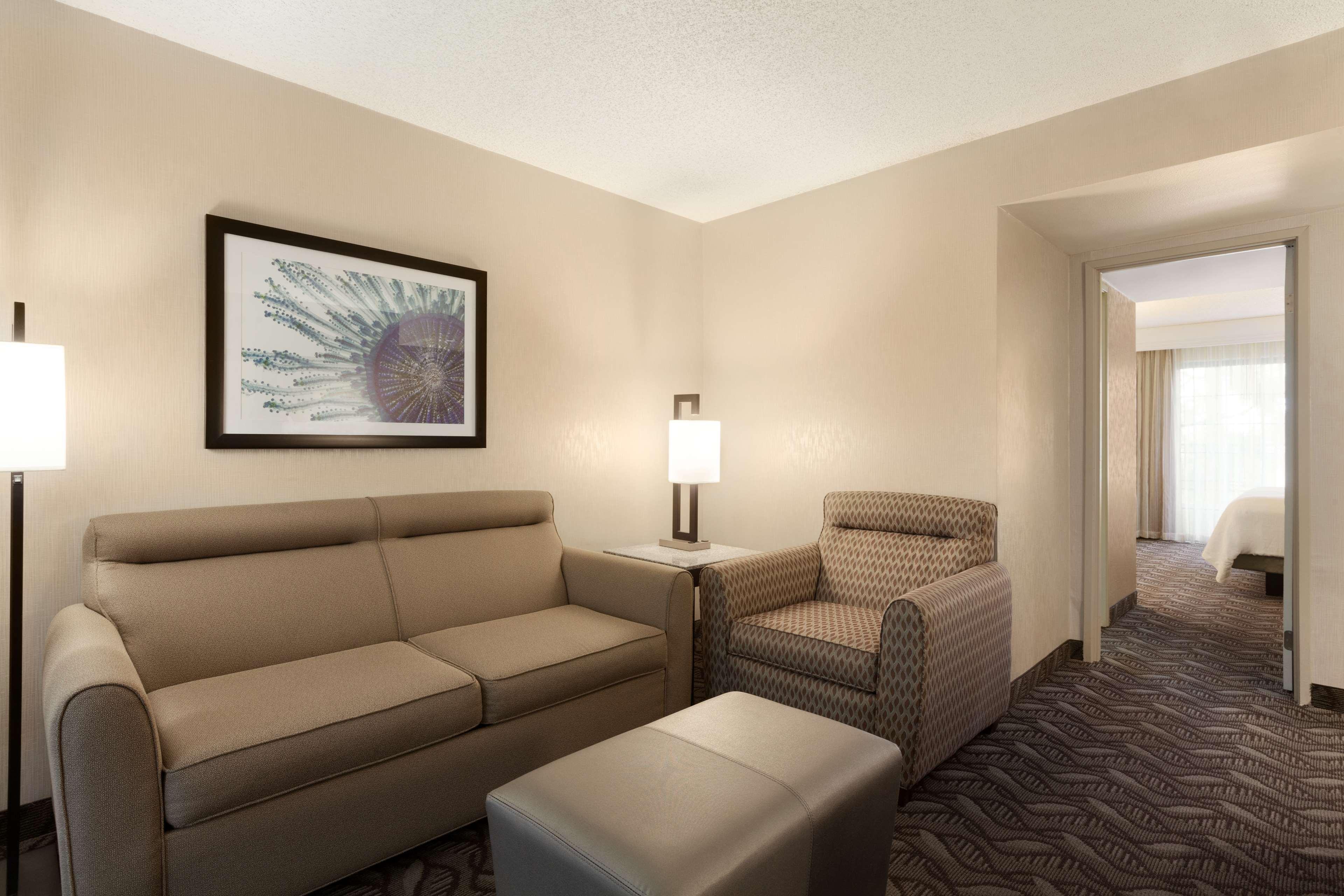 Embassy Suites by Hilton Arcadia Pasadena Area image 19
