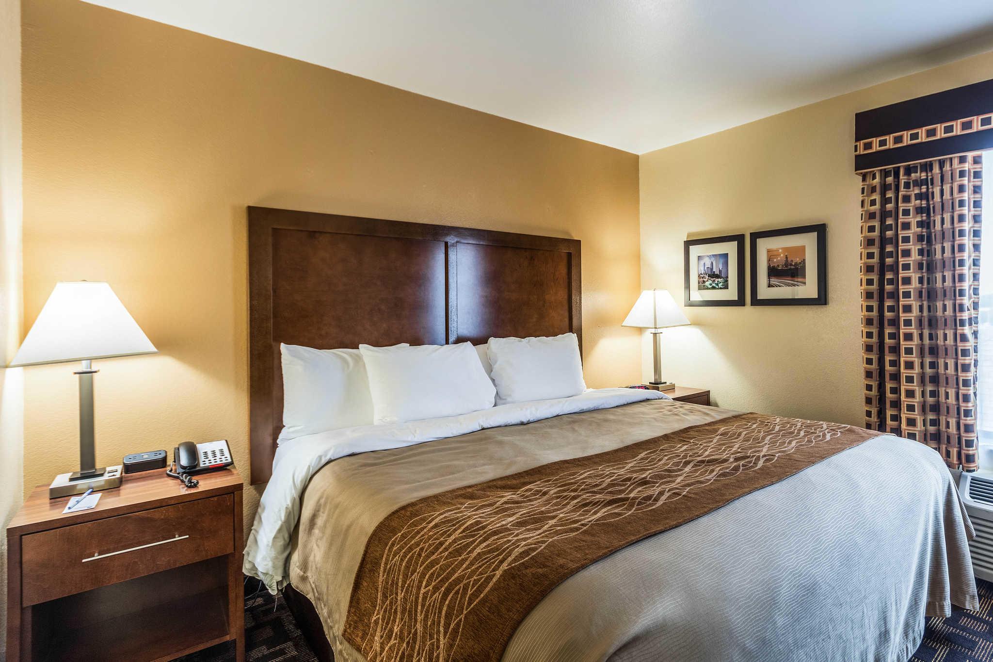 Comfort Inn & Suites North Aurora - Naperville image 21