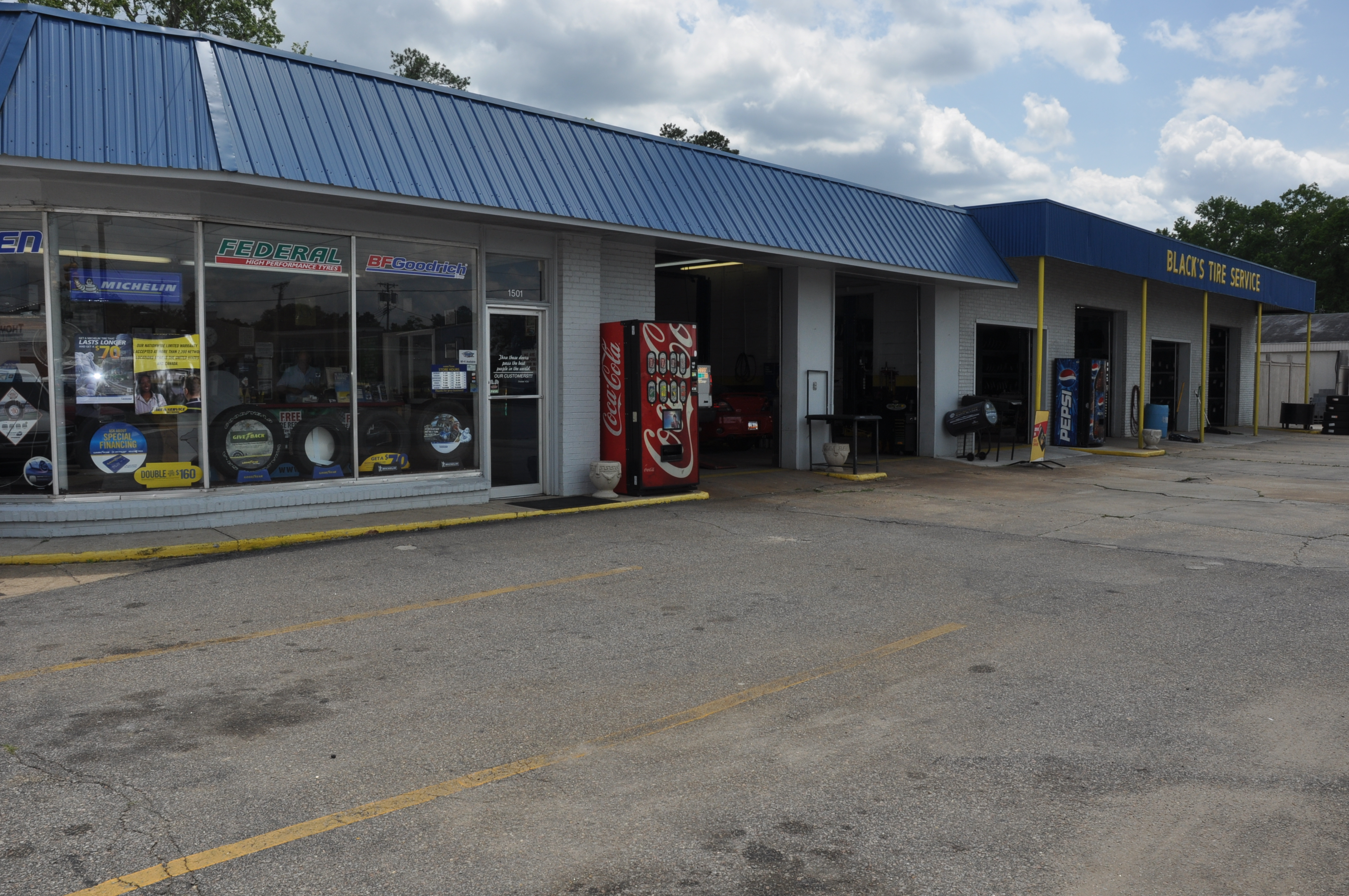 black 39 s tire auto services in conway sc 843 279 0. Black Bedroom Furniture Sets. Home Design Ideas