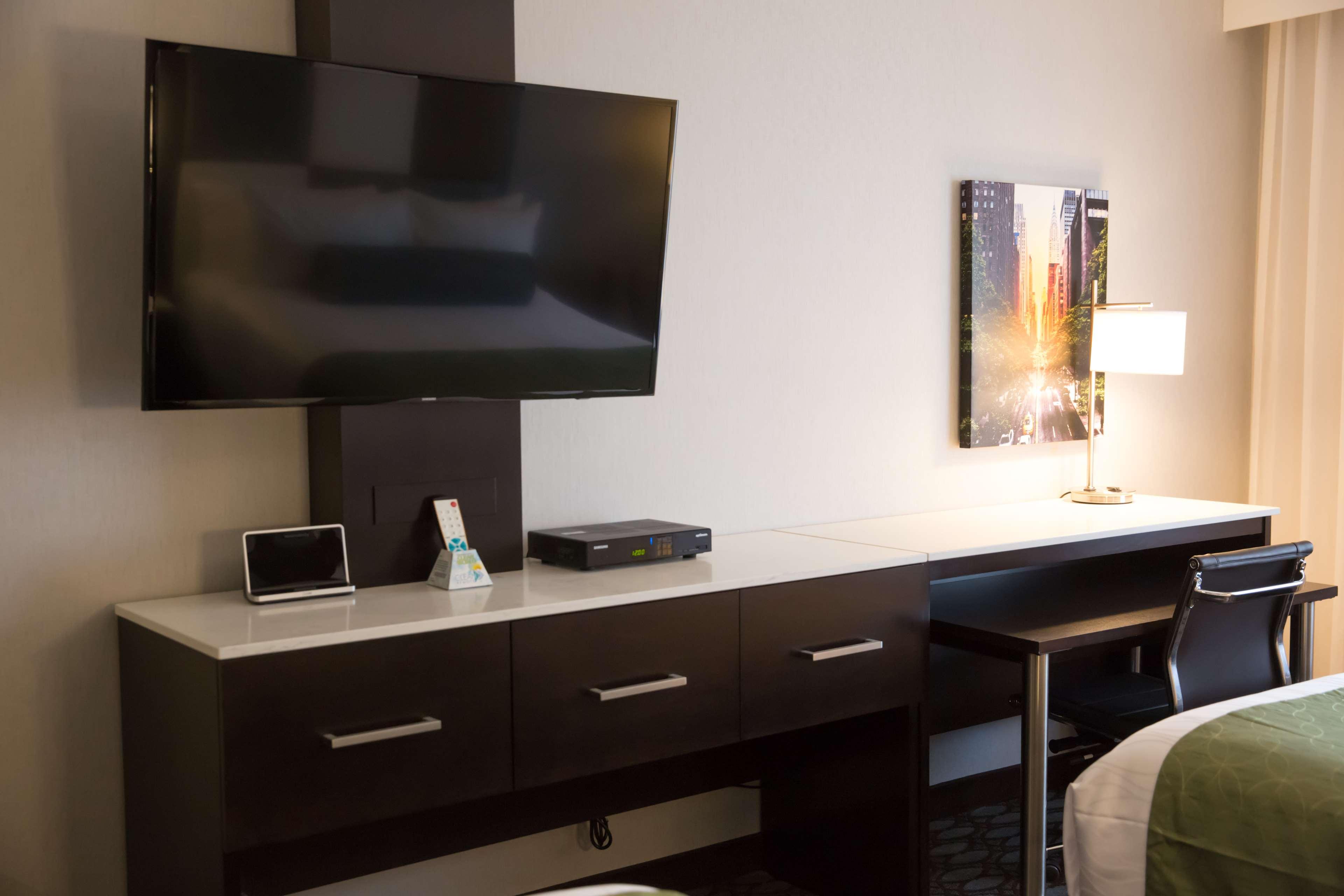 Best Western Premier NYC Gateway Hotel image 37