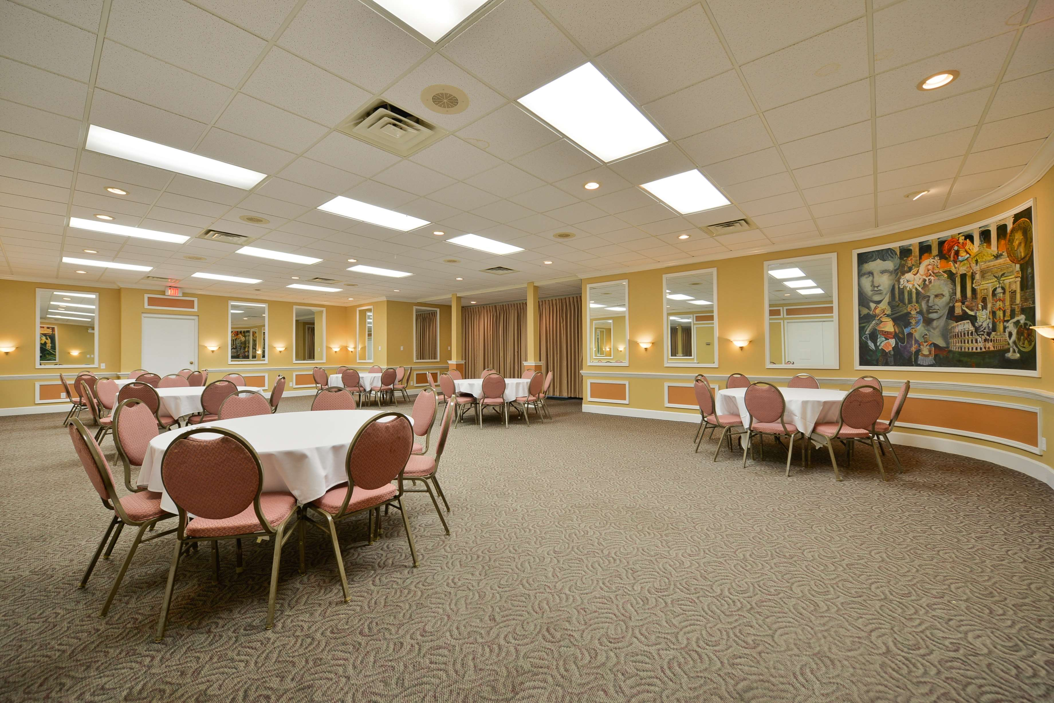 Best Western Green Bay Inn Conference Center image 42
