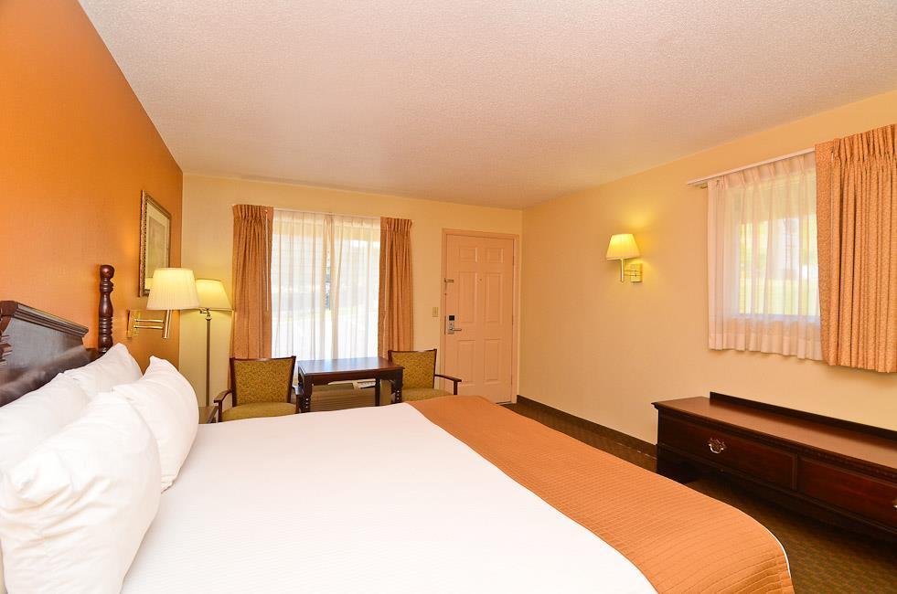 Best Western Royal Inn image 19