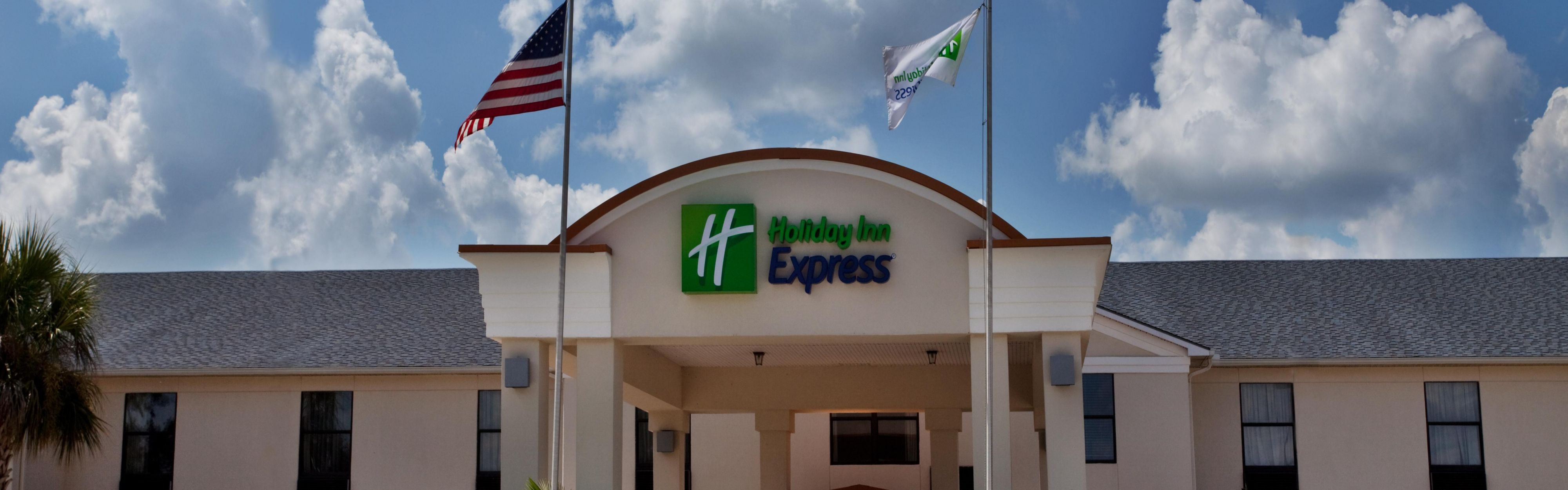 Holiday Inn Express Breaux Bridge/Henderson image 0