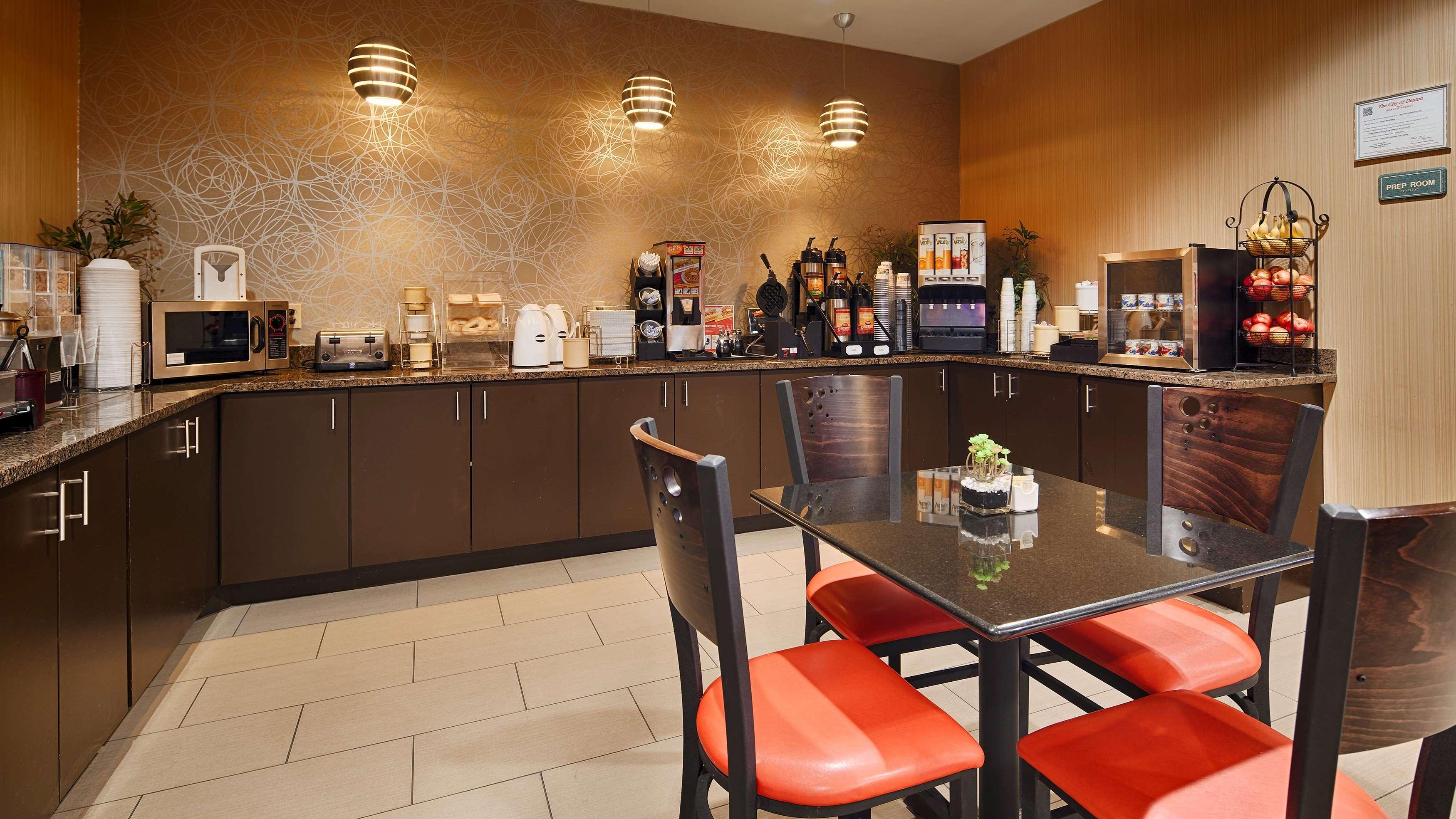Best Western Plus Denton Inn & Suites image 34