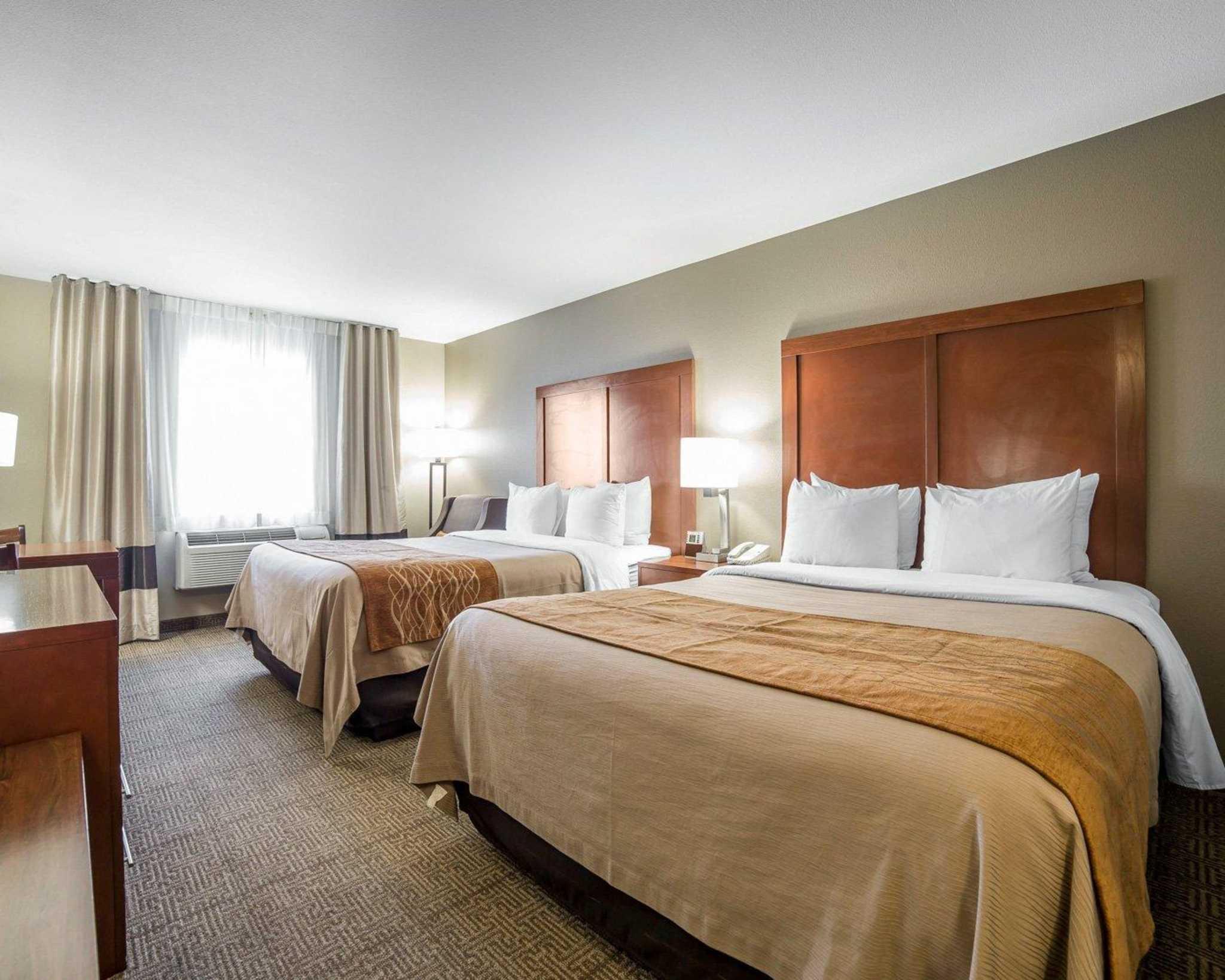 Comfort Inn Evansville-Casper image 1