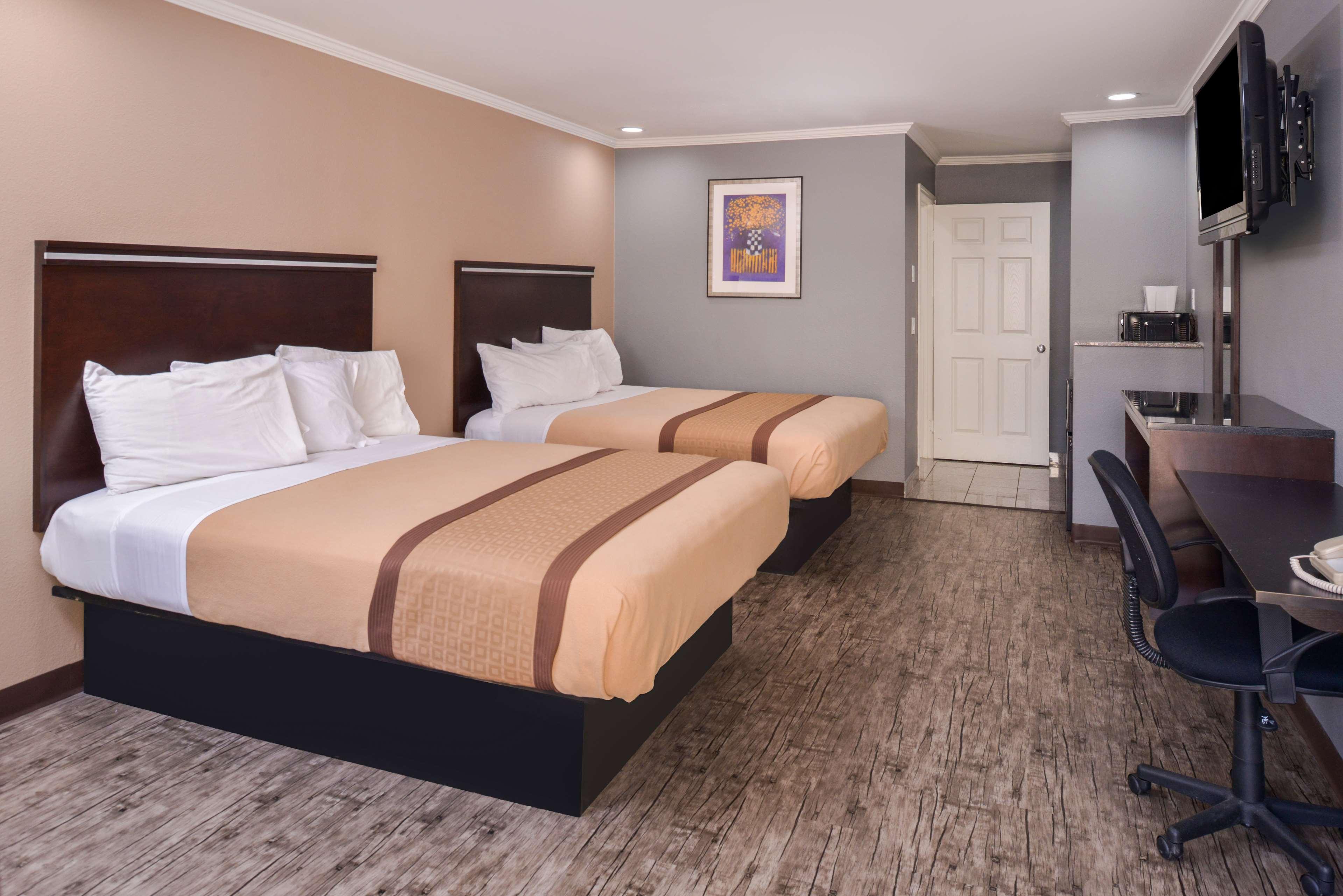Americas Best Value Laguna Inn & Suites image 15