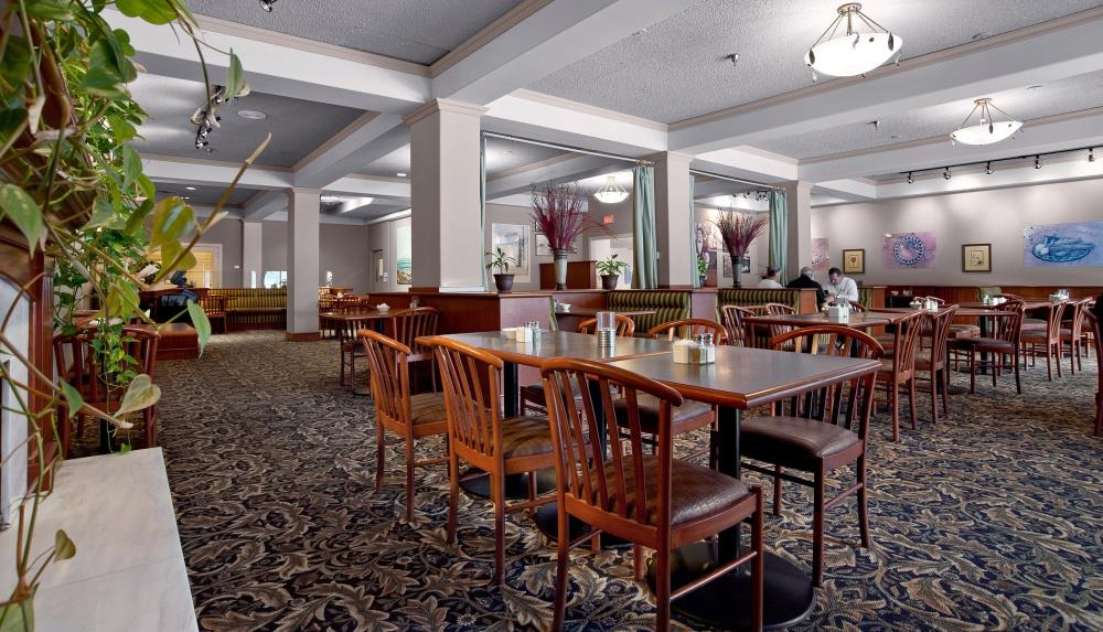 Best Western Plus Barclay Hotel in Port Alberni: Family friendly dining in Stamps Cafe.