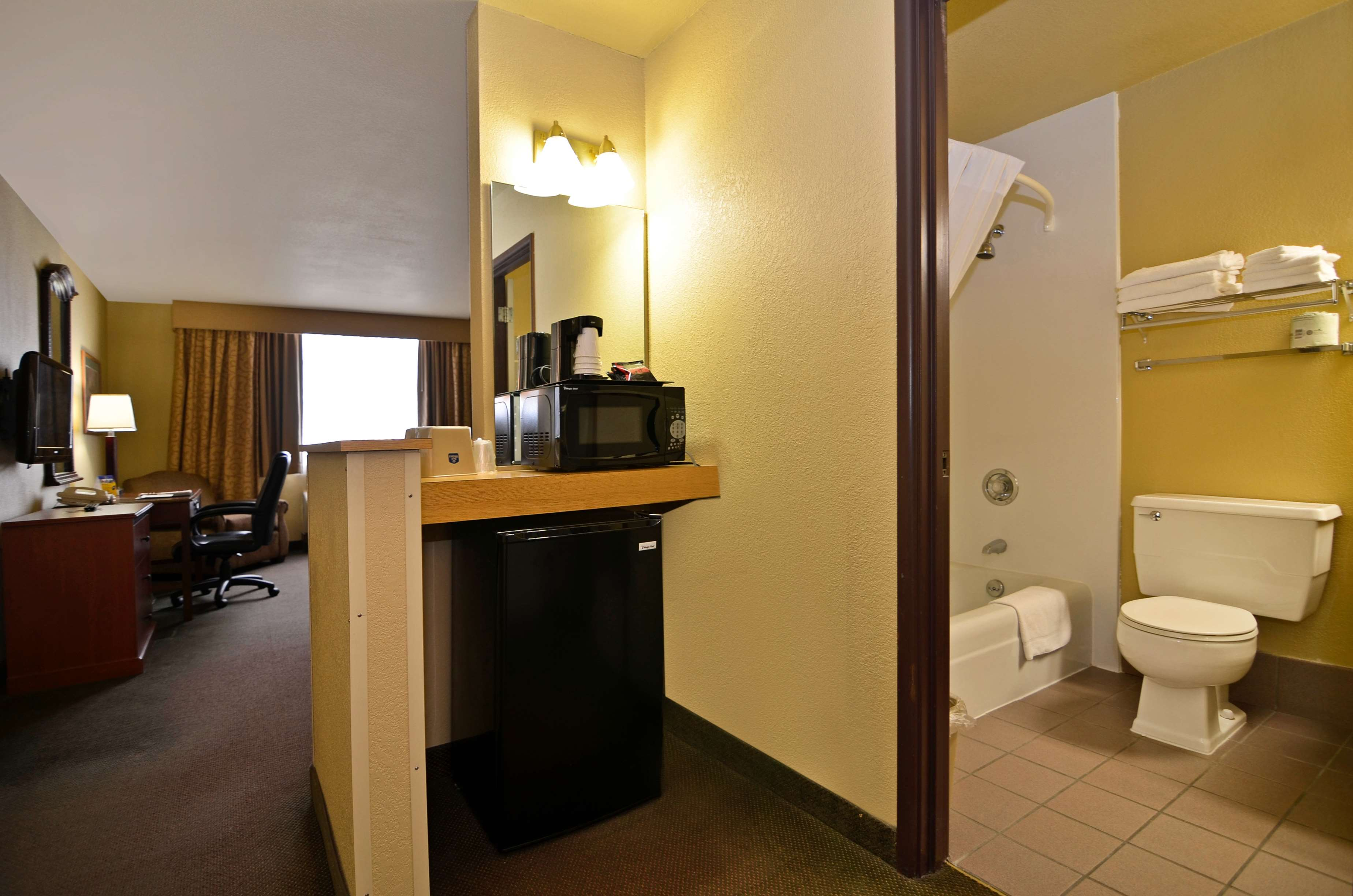 Best Western Green Bay Inn Conference Center image 21